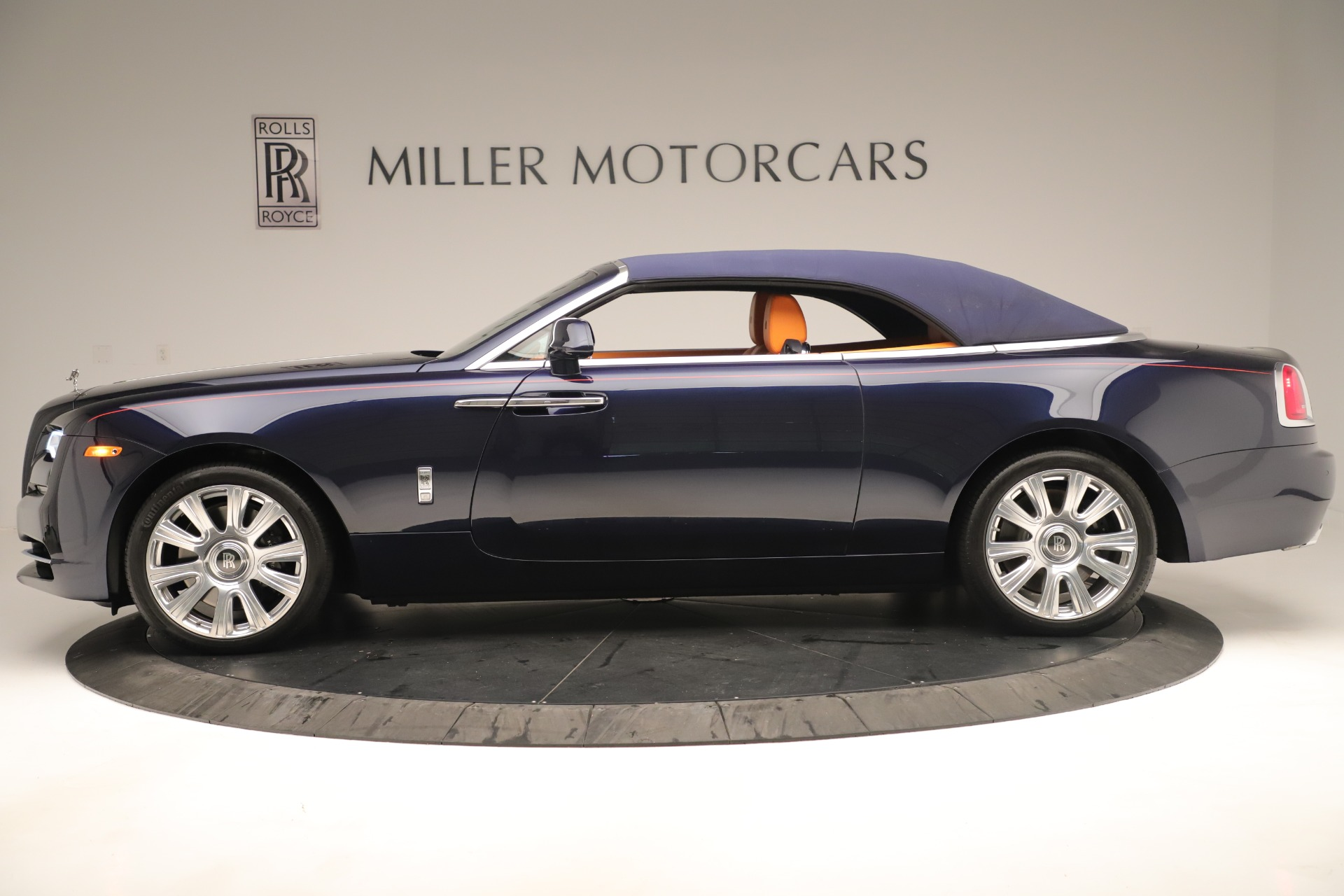 Used 2016 Rolls-Royce Dawn  For Sale In Greenwich, CT. Alfa Romeo of Greenwich, 7632 3430_p10