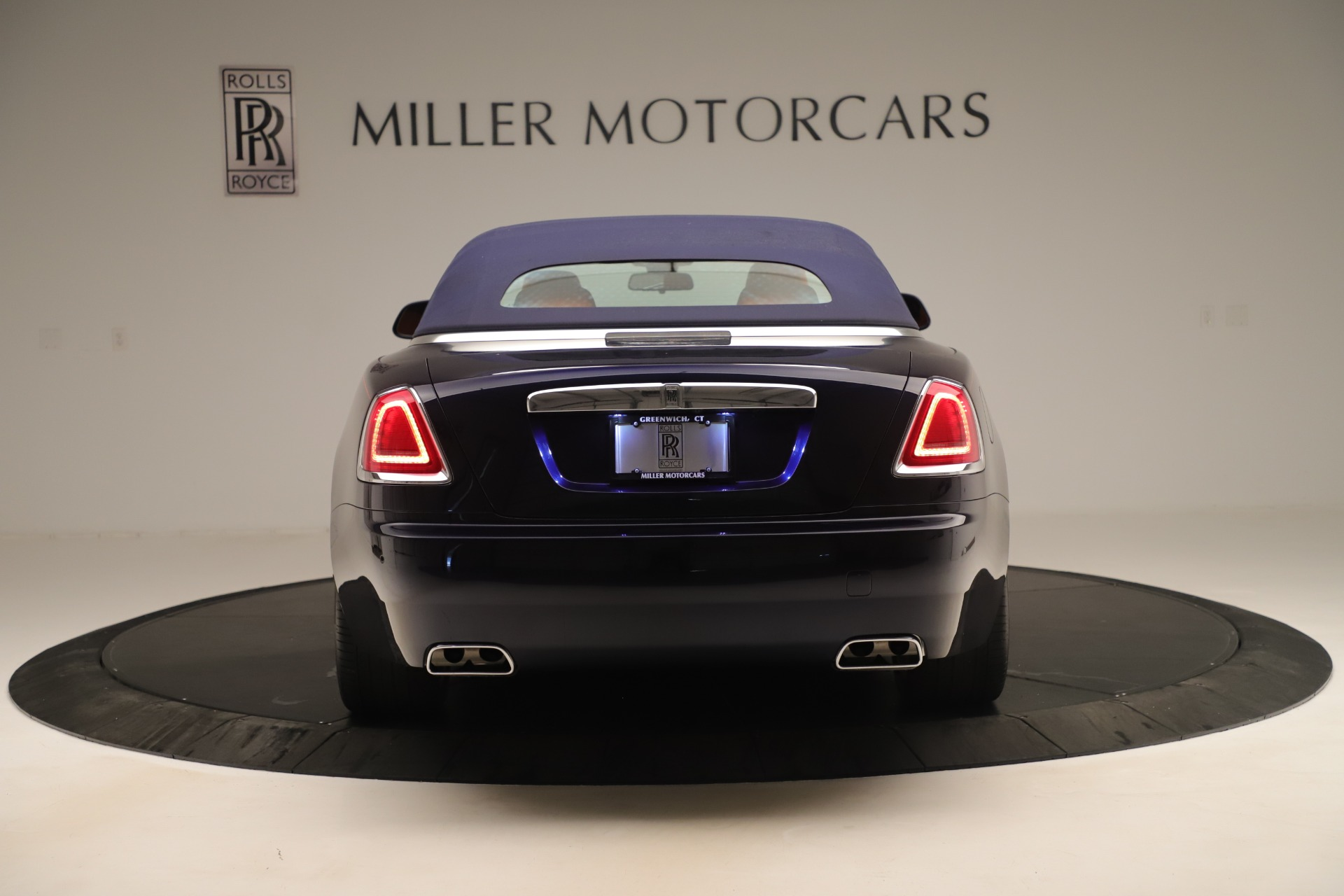 Used 2016 Rolls-Royce Dawn  For Sale In Greenwich, CT. Alfa Romeo of Greenwich, 7632 3430_p12