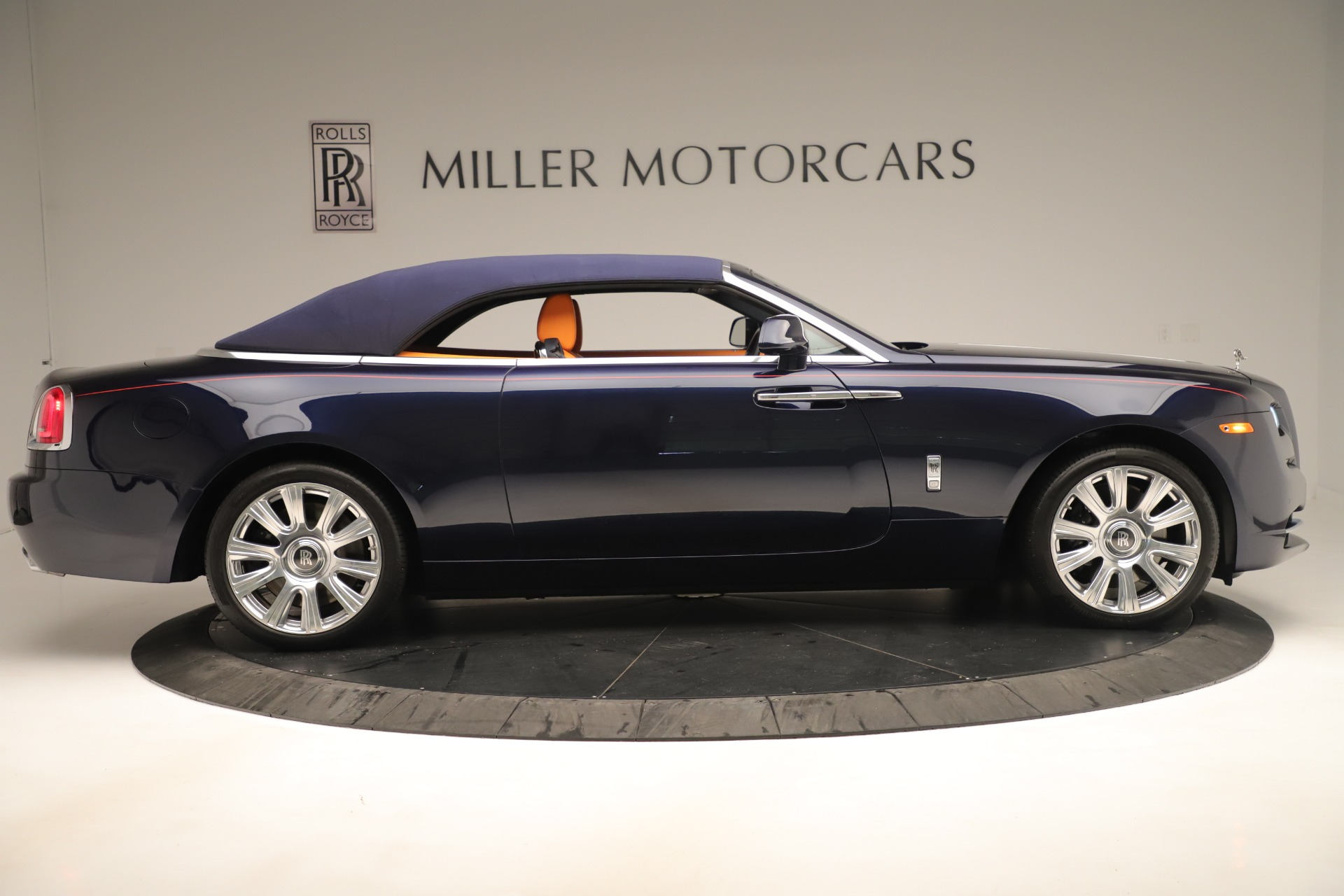 Used 2016 Rolls-Royce Dawn  For Sale In Greenwich, CT. Alfa Romeo of Greenwich, 7632 3430_p14