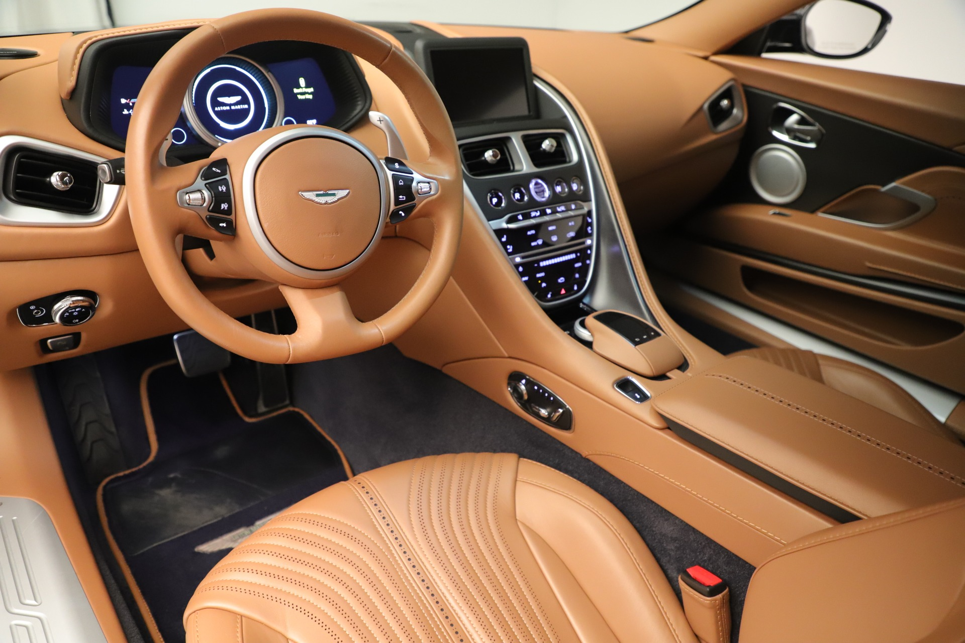 Used 2017 Aston Martin DB11 Launch Edition For Sale In Greenwich, CT. Alfa Romeo of Greenwich, A1405A 3431_p13