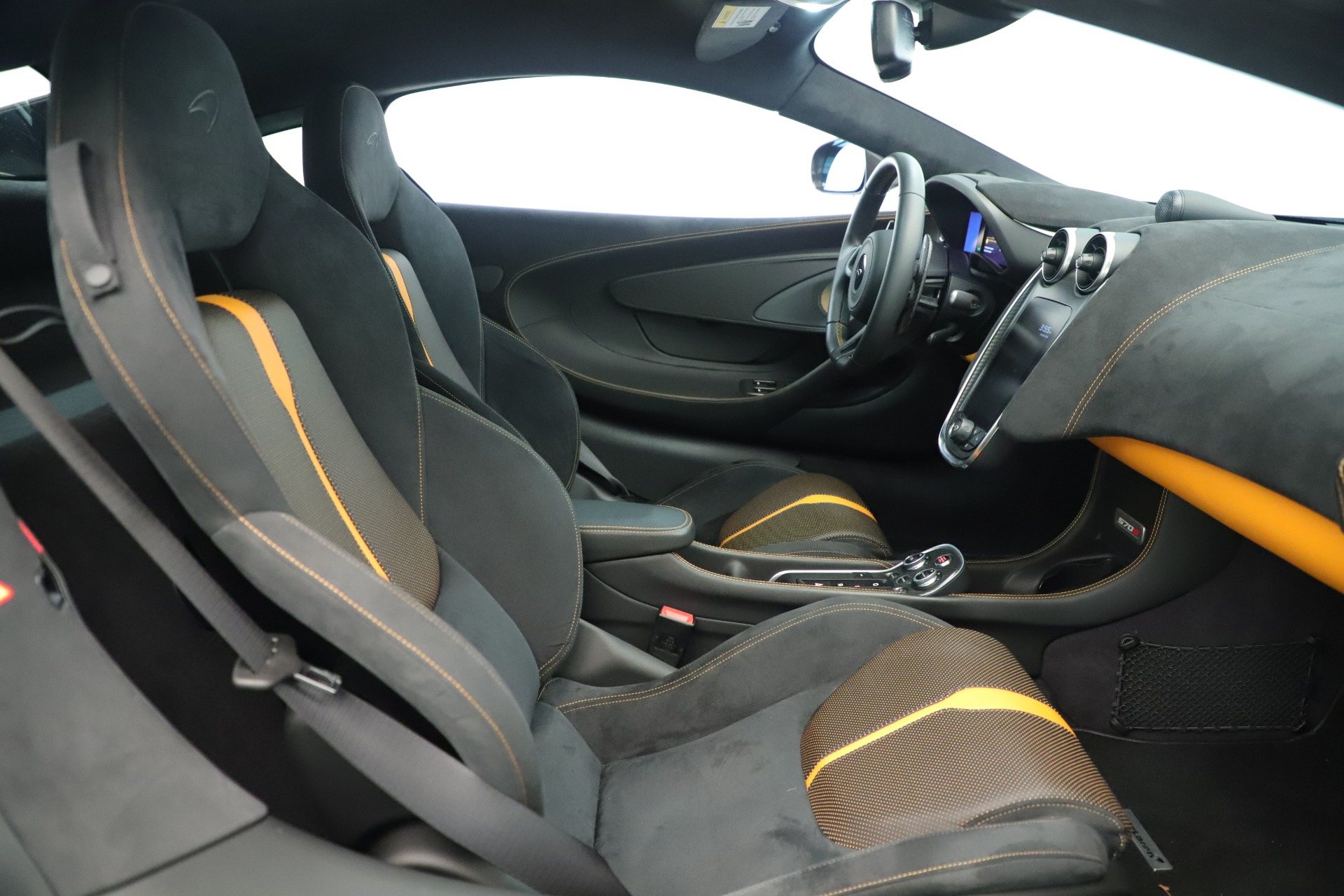 Used 2016 McLaren 570S Coupe For Sale In Greenwich, CT. Alfa Romeo of Greenwich, MC426A 3433_p17