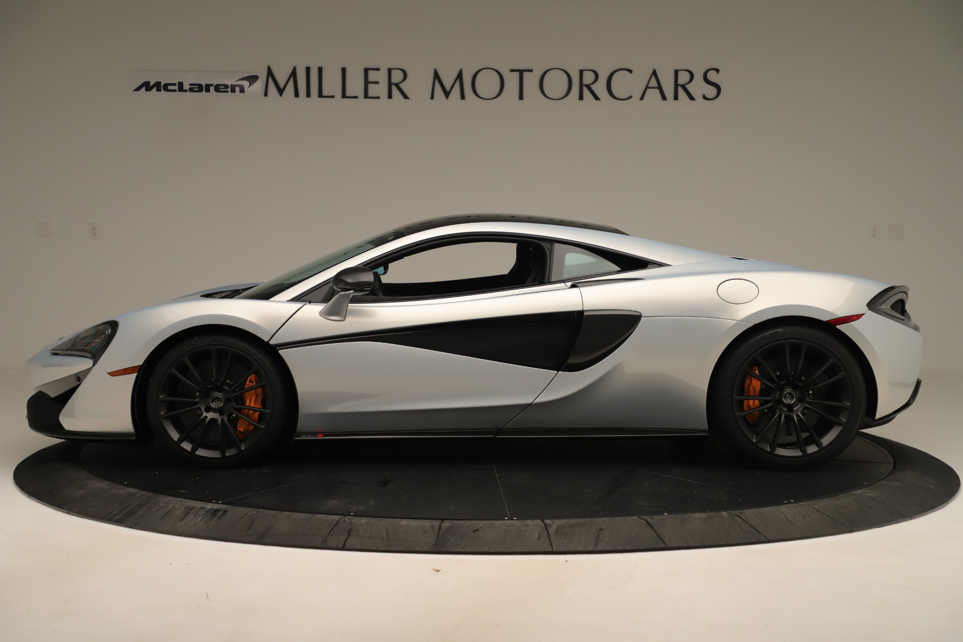 Used 2016 McLaren 570S Coupe For Sale In Greenwich, CT. Alfa Romeo of Greenwich, MC426A 3433_p2