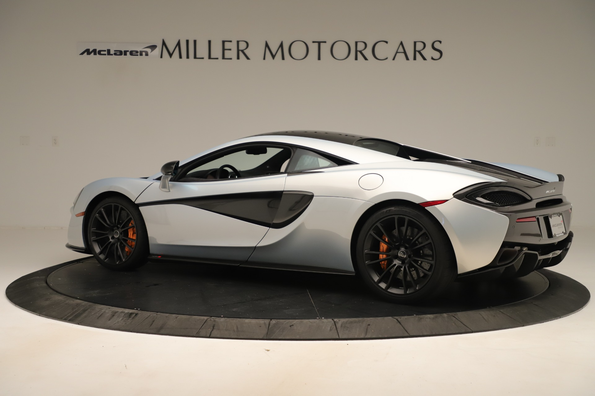 Used 2016 McLaren 570S Coupe For Sale In Greenwich, CT. Alfa Romeo of Greenwich, MC426A 3433_p3