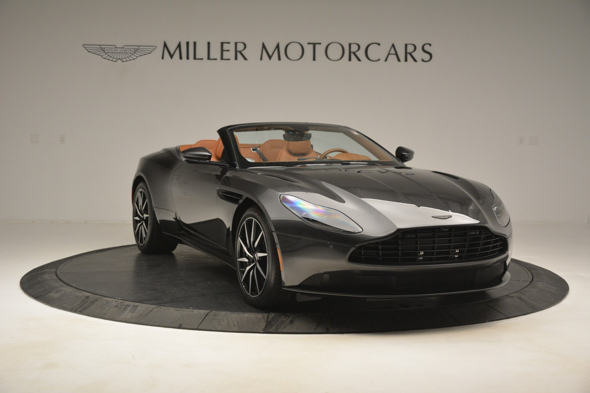 Used 2019 Aston Martin DB11 V8 Volante For Sale In Greenwich, CT. Alfa Romeo of Greenwich, A1346A 3434_p10