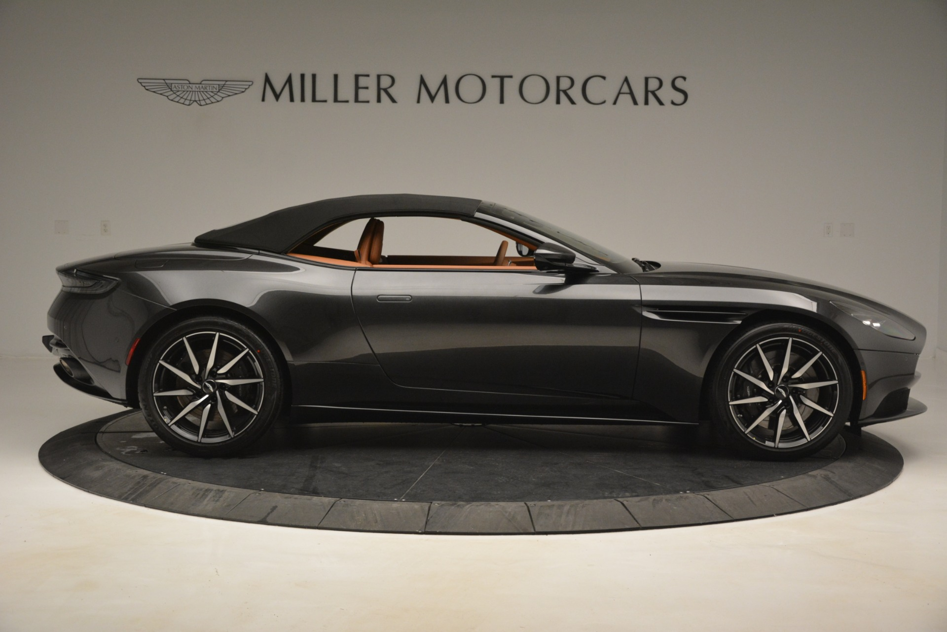 Used 2019 Aston Martin DB11 V8 Volante For Sale In Greenwich, CT. Alfa Romeo of Greenwich, A1346A 3434_p15
