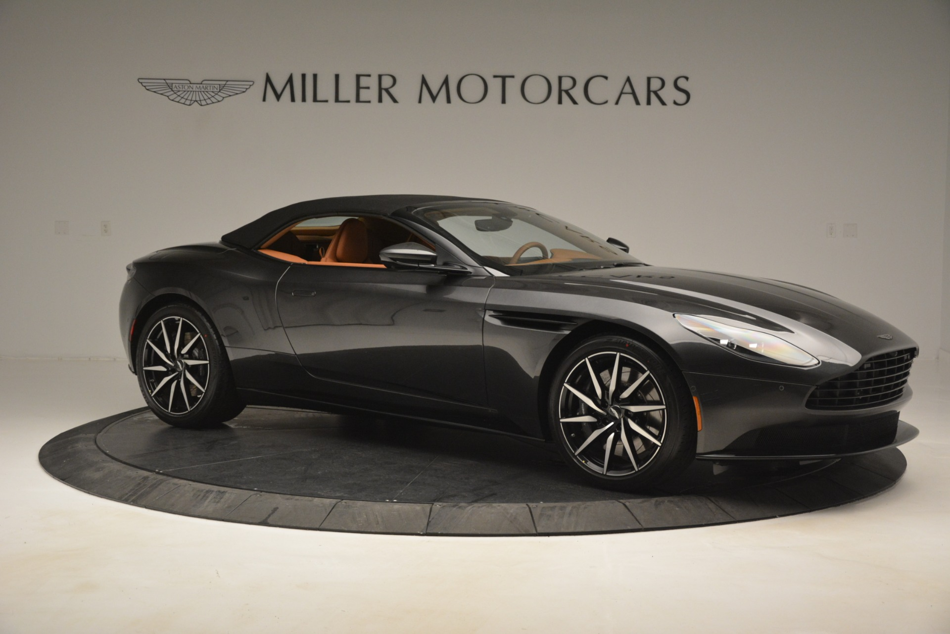 Used 2019 Aston Martin DB11 V8 Volante For Sale In Greenwich, CT. Alfa Romeo of Greenwich, A1346A 3434_p16