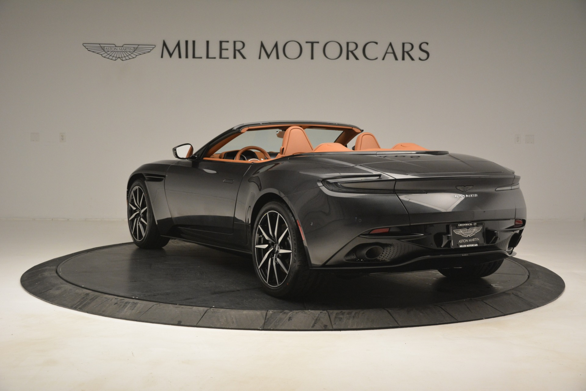 Used 2019 Aston Martin DB11 V8 Volante For Sale In Greenwich, CT. Alfa Romeo of Greenwich, A1346A 3434_p4