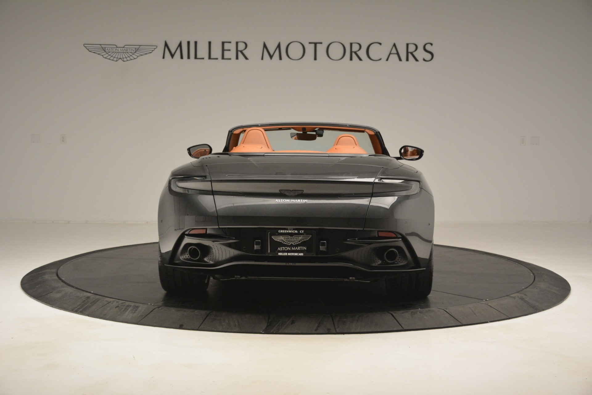 Used 2019 Aston Martin DB11 V8 Volante For Sale In Greenwich, CT. Alfa Romeo of Greenwich, A1346A 3434_p5