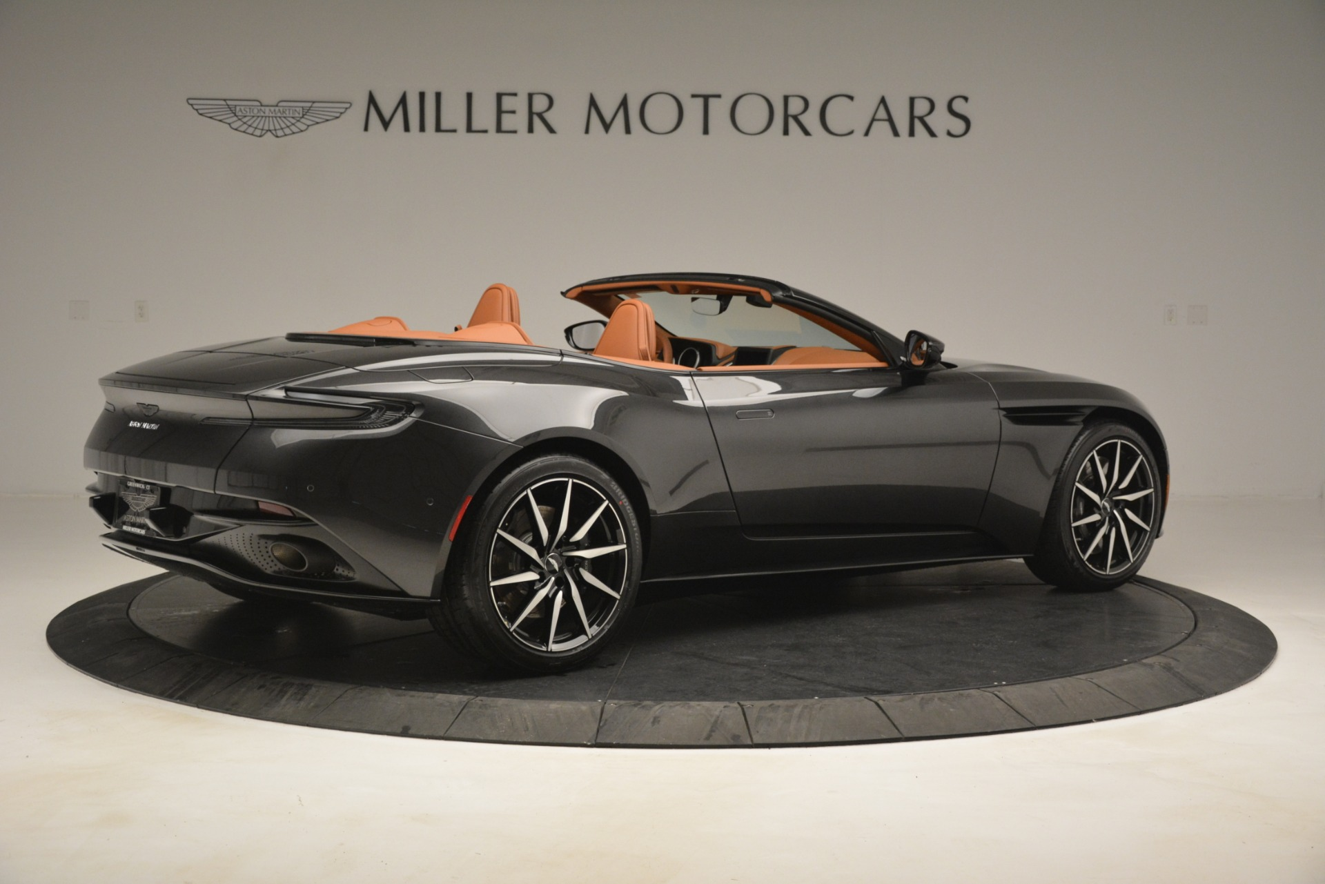 Used 2019 Aston Martin DB11 V8 Volante For Sale In Greenwich, CT. Alfa Romeo of Greenwich, A1346A 3434_p7