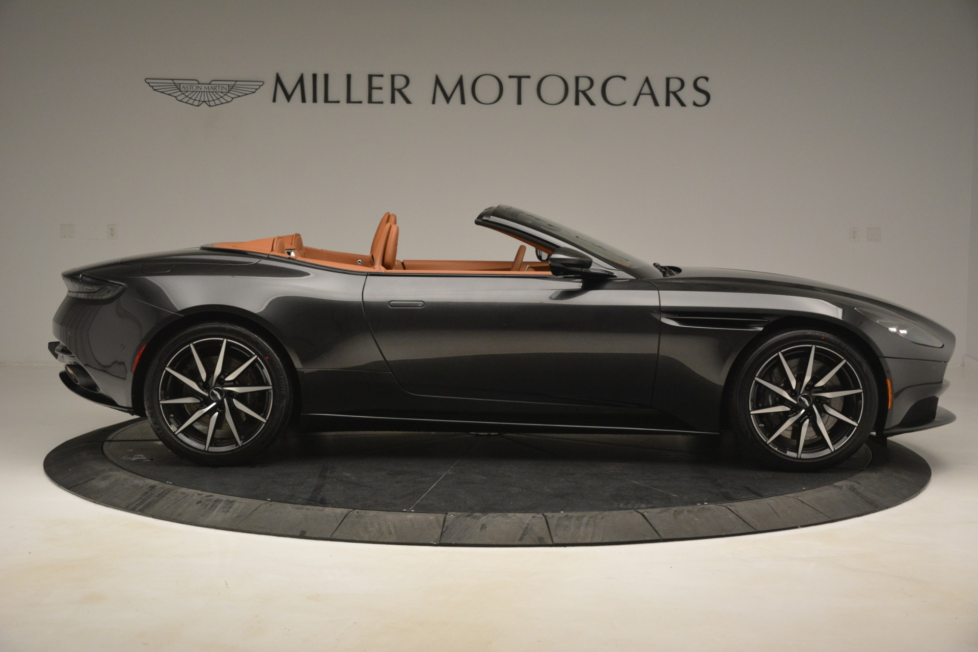 Used 2019 Aston Martin DB11 V8 Volante For Sale In Greenwich, CT. Alfa Romeo of Greenwich, A1346A 3434_p8