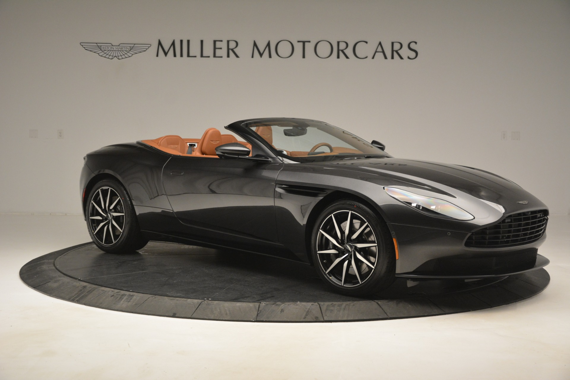 Used 2019 Aston Martin DB11 V8 Volante For Sale In Greenwich, CT. Alfa Romeo of Greenwich, A1346A 3434_p9