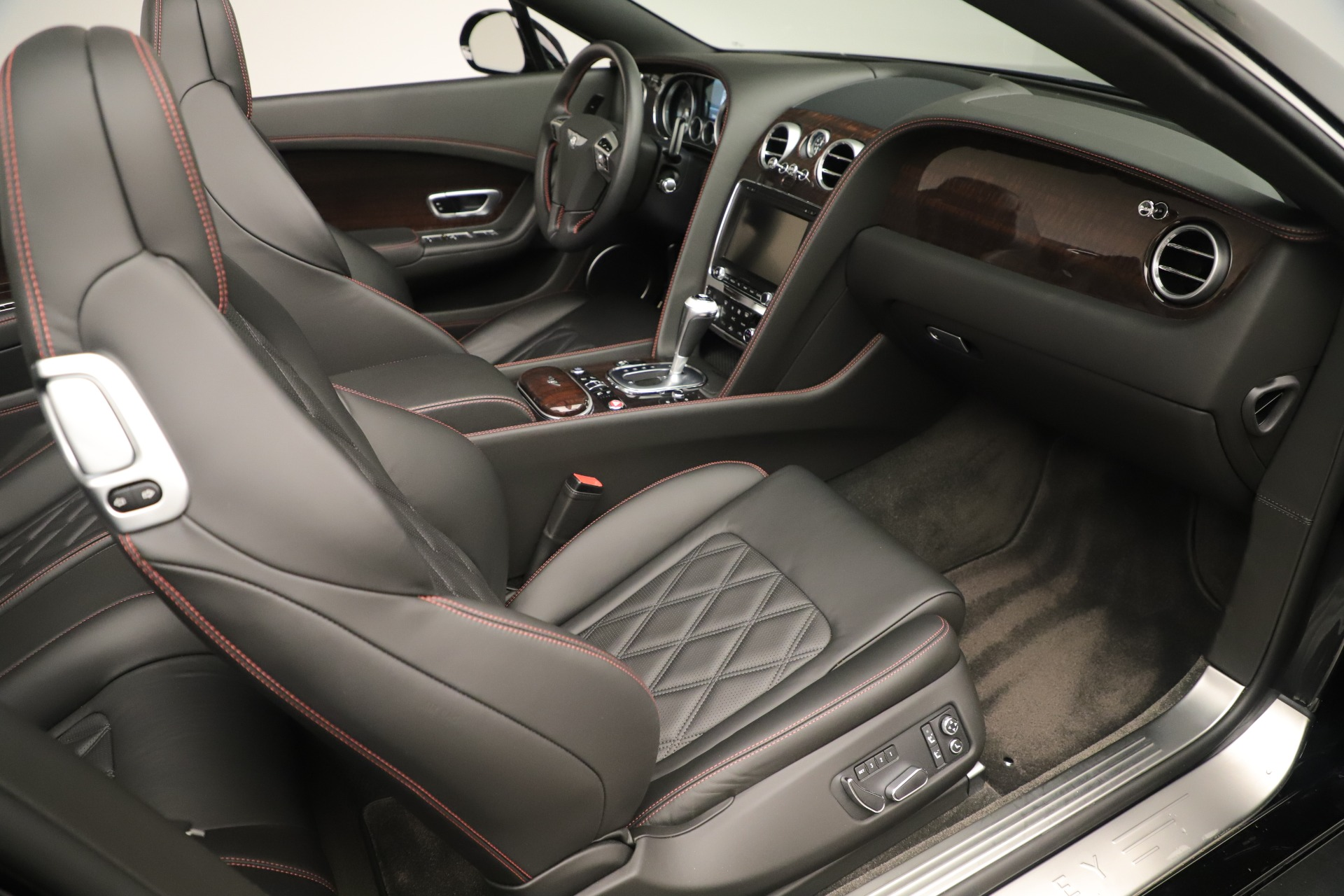 Used 2014 Bentley Continental GT V8 For Sale In Greenwich, CT. Alfa Romeo of Greenwich, 7634 3435_p28