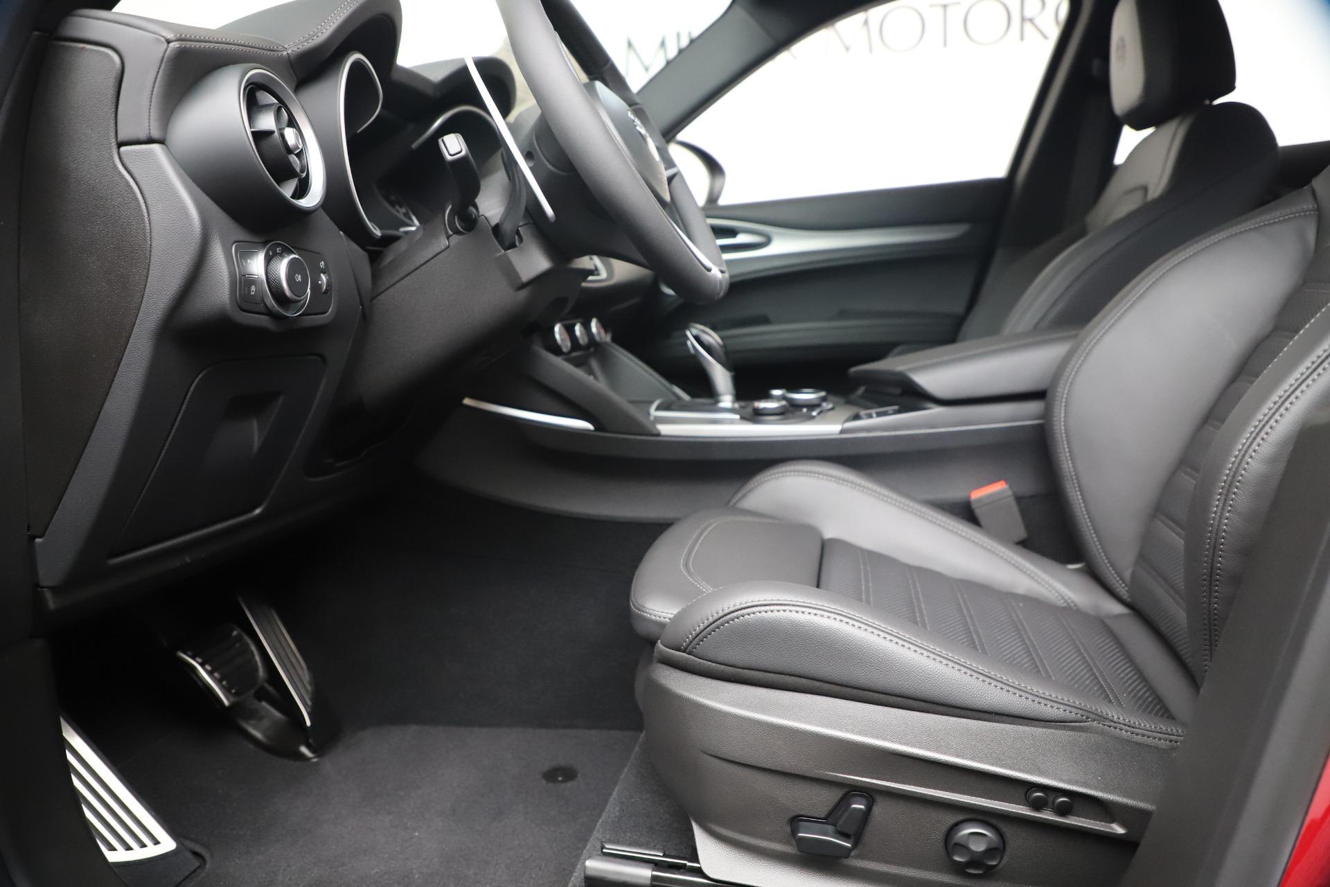 New 2019 Alfa Romeo Stelvio Ti Sport Q4 For Sale In Greenwich, CT. Alfa Romeo of Greenwich, LW382 3437_p14
