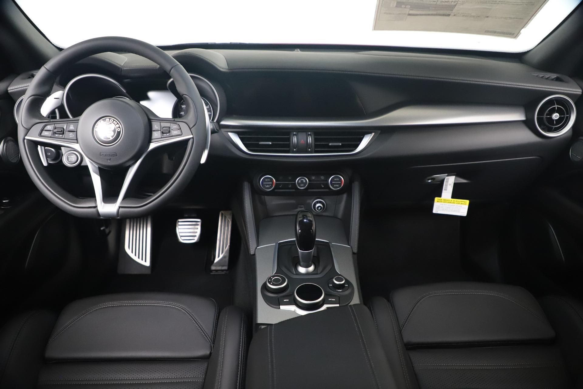 New 2019 Alfa Romeo Stelvio Ti Sport Q4 For Sale In Greenwich, CT. Alfa Romeo of Greenwich, LW382 3437_p16