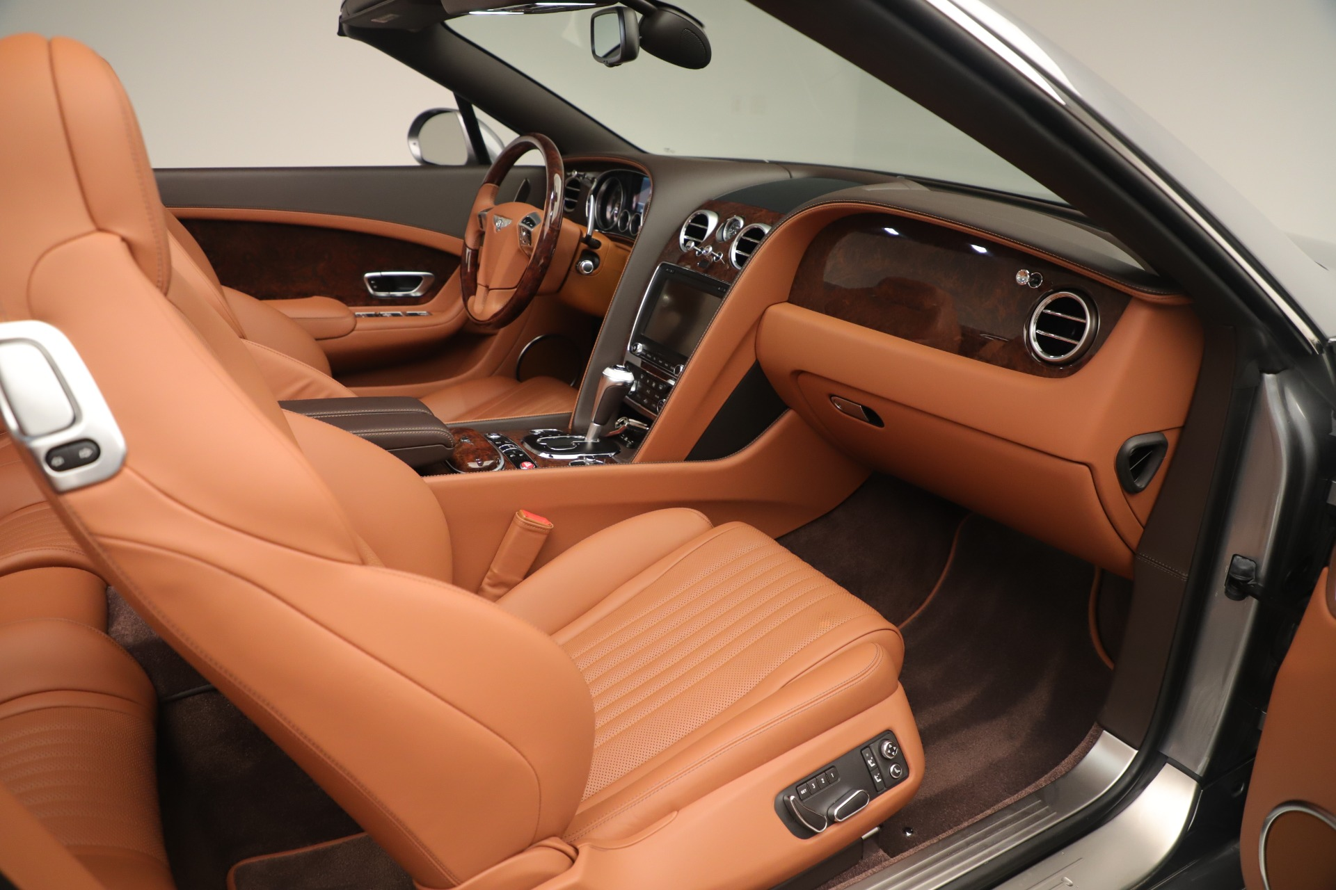 Used 2016 Bentley Continental GT V8 S For Sale In Greenwich, CT. Alfa Romeo of Greenwich, 7639 3442_p27