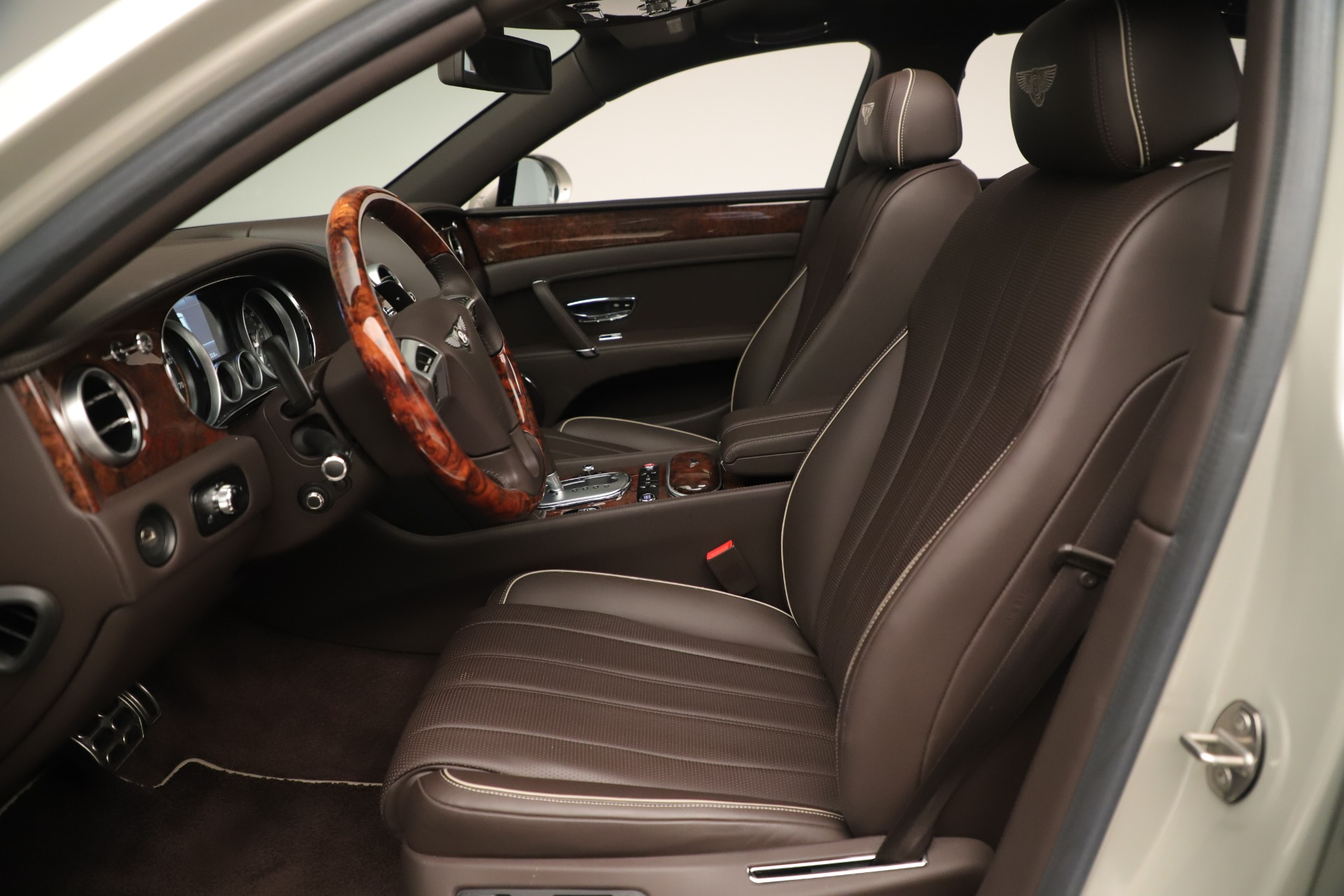 Used 2015 Bentley Flying Spur V8 For Sale In Greenwich, CT. Alfa Romeo of Greenwich, 7640 3444_p17