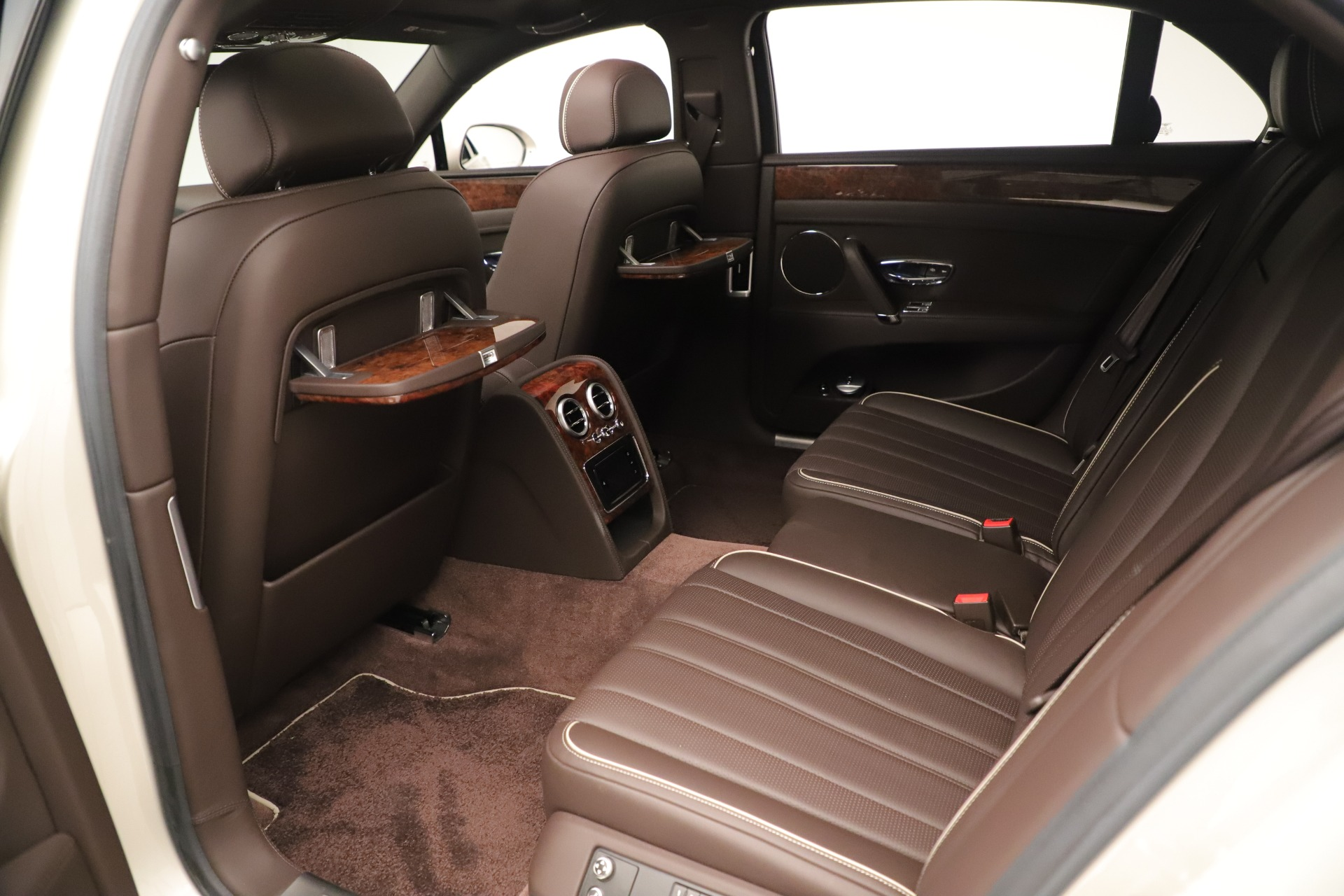 Used 2015 Bentley Flying Spur V8 For Sale In Greenwich, CT. Alfa Romeo of Greenwich, 7640 3444_p20