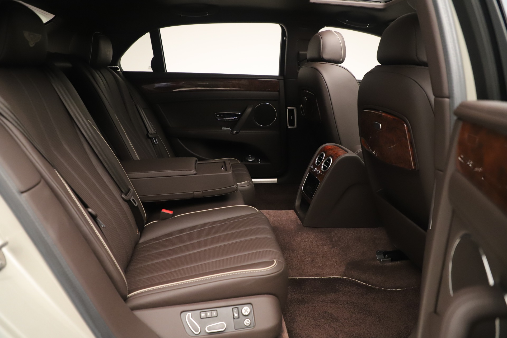 Used 2015 Bentley Flying Spur V8 For Sale In Greenwich, CT. Alfa Romeo of Greenwich, 7640 3444_p29