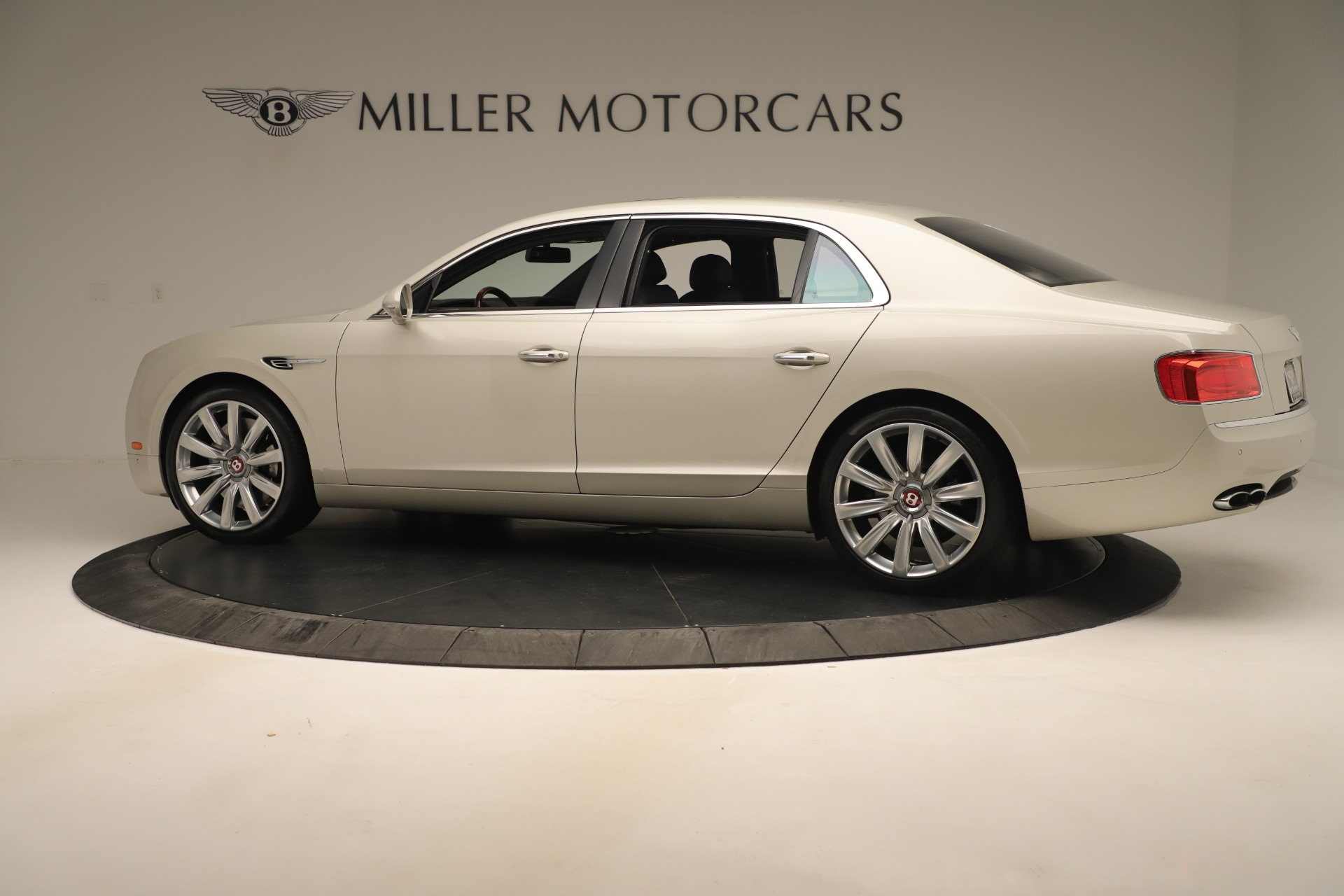 Used 2015 Bentley Flying Spur V8 For Sale In Greenwich, CT. Alfa Romeo of Greenwich, 7640 3444_p4