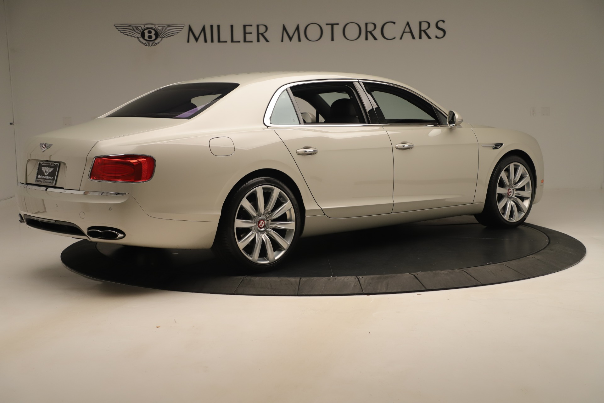 Used 2015 Bentley Flying Spur V8 For Sale In Greenwich, CT. Alfa Romeo of Greenwich, 7640 3444_p7