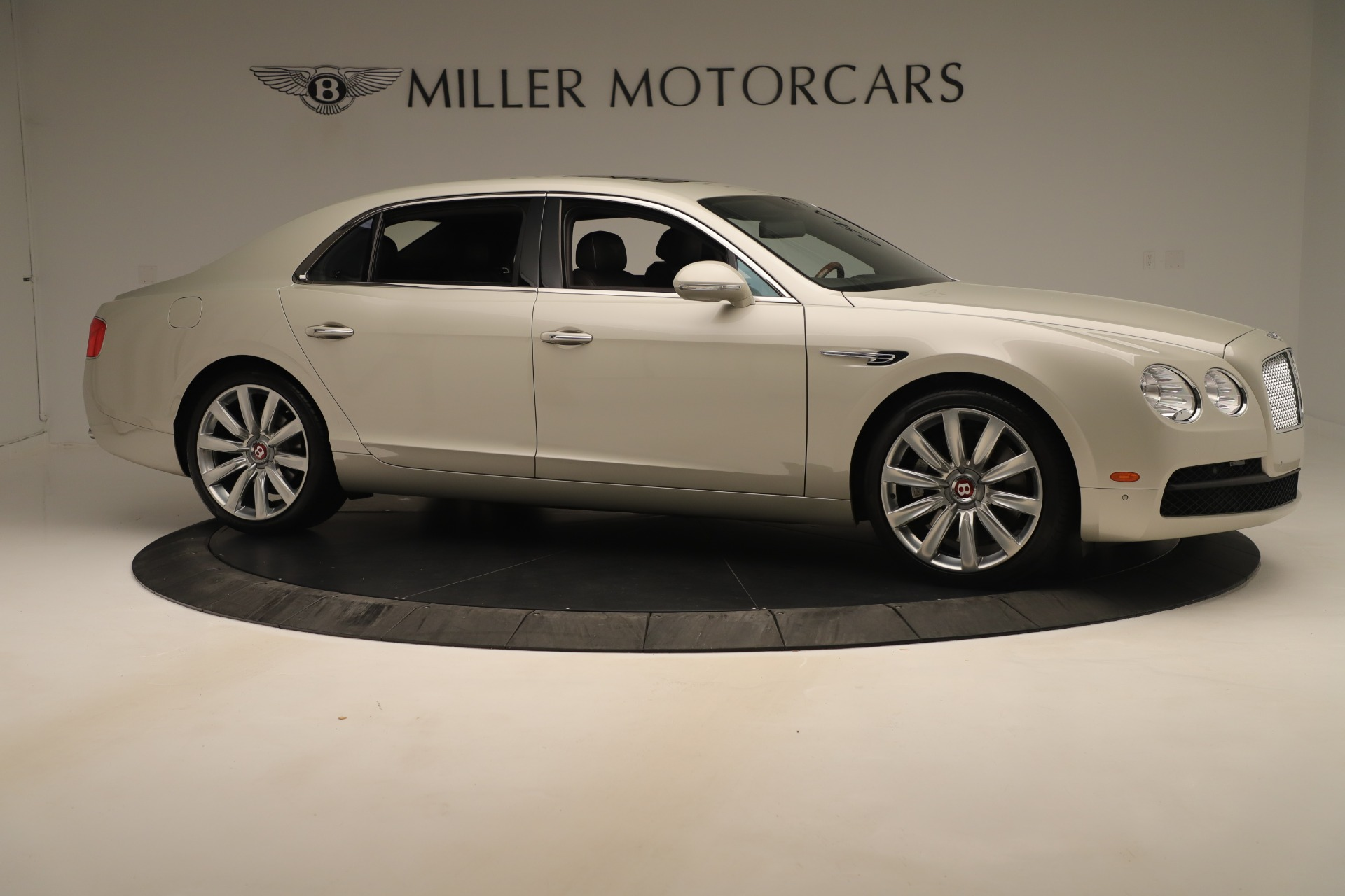 Used 2015 Bentley Flying Spur V8 For Sale In Greenwich, CT. Alfa Romeo of Greenwich, 7640 3444_p9