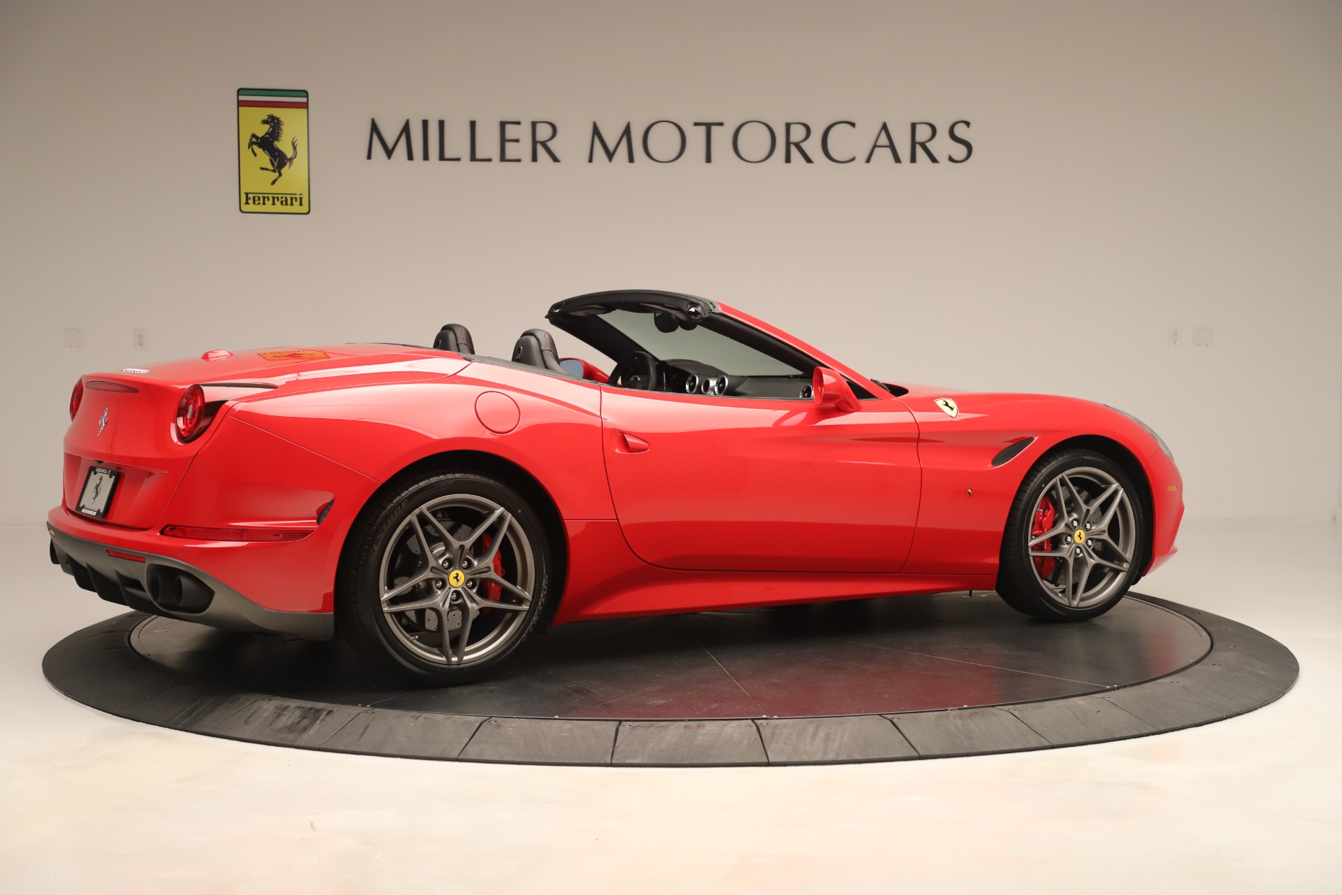 Used 2016 Ferrari California T  For Sale In Greenwich, CT. Alfa Romeo of Greenwich, 4607 3446_p8