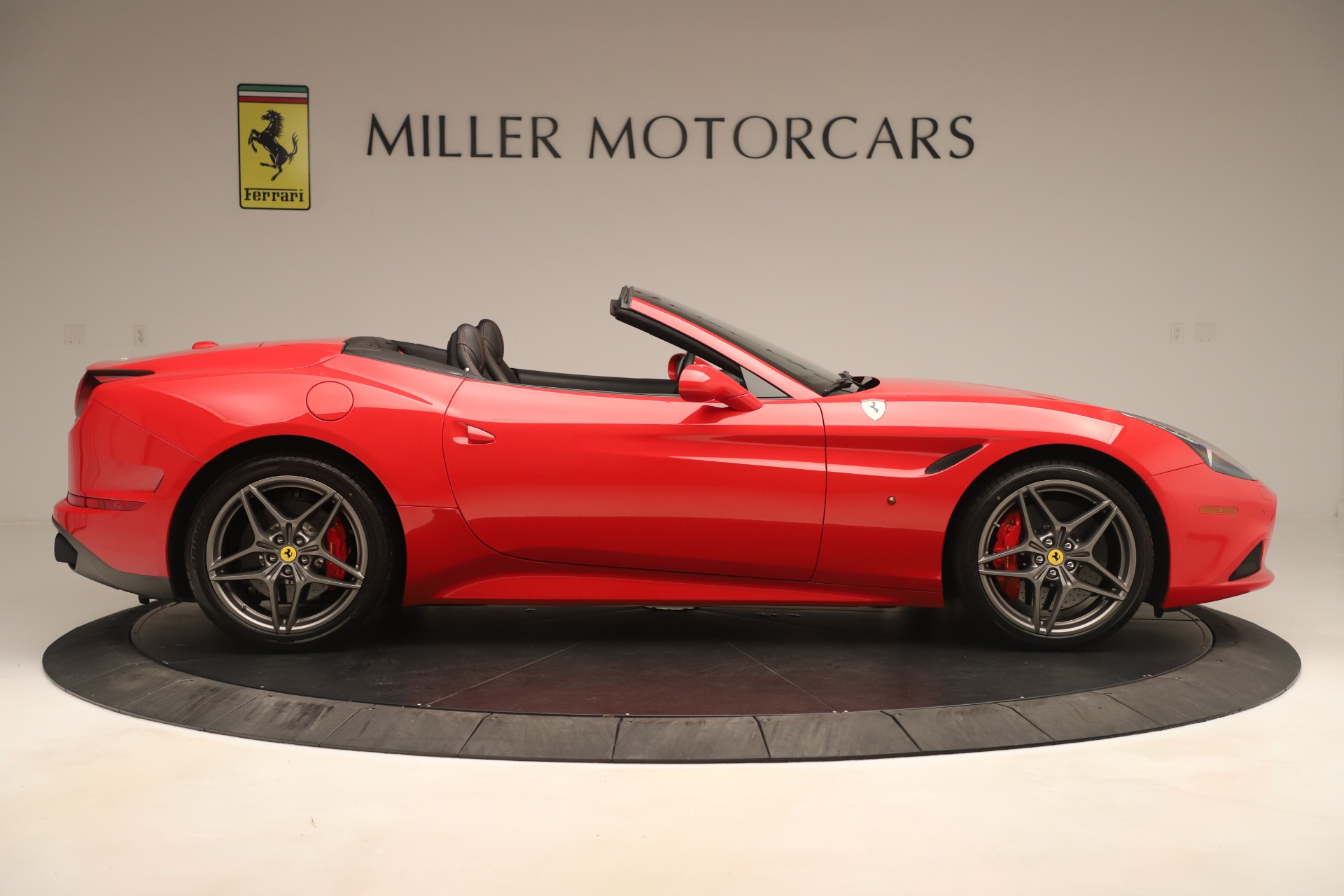 Used 2016 Ferrari California T  For Sale In Greenwich, CT. Alfa Romeo of Greenwich, 4607 3446_p9