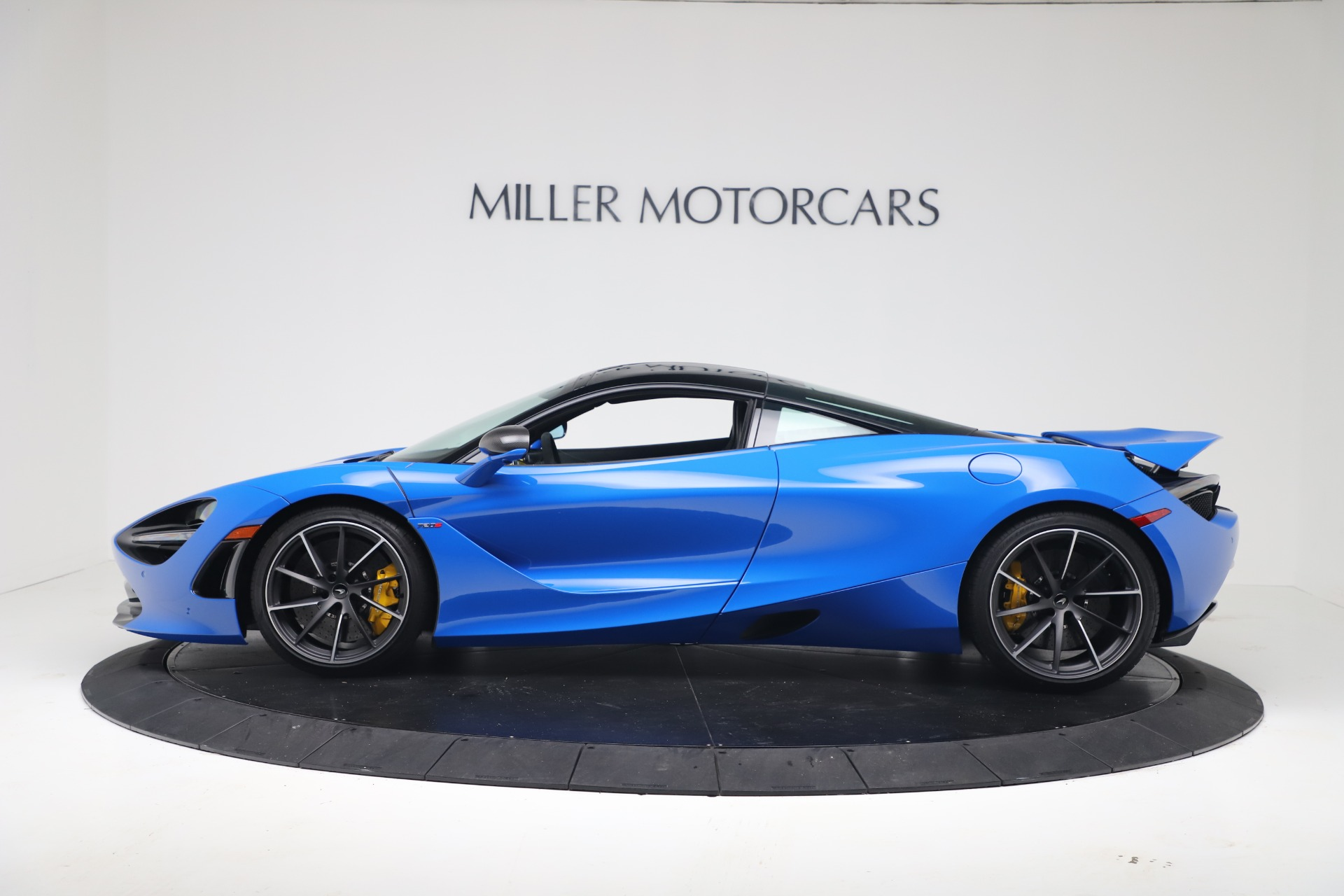 New 2019 McLaren 720S Coupe For Sale In Greenwich, CT. Alfa Romeo of Greenwich, MC467 3449_p2