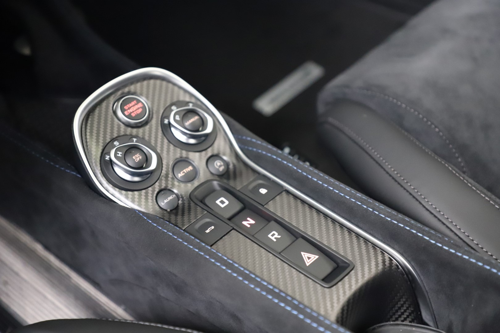 New 2019 McLaren 600LT Coupe For Sale In Greenwich, CT. Alfa Romeo of Greenwich, MC464 3452_p17