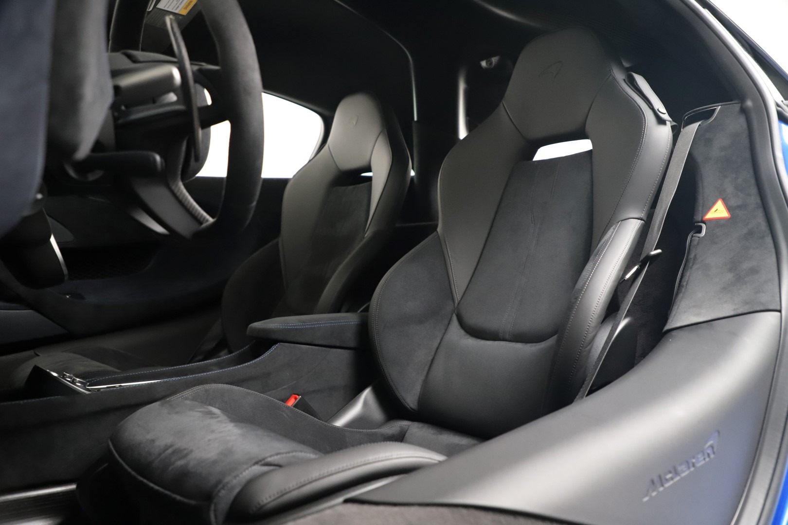 New 2019 McLaren 600LT Coupe For Sale In Greenwich, CT. Alfa Romeo of Greenwich, MC464 3452_p19