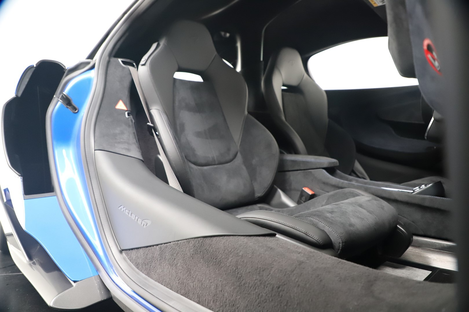 New 2019 McLaren 600LT Coupe For Sale In Greenwich, CT. Alfa Romeo of Greenwich, MC464 3452_p26