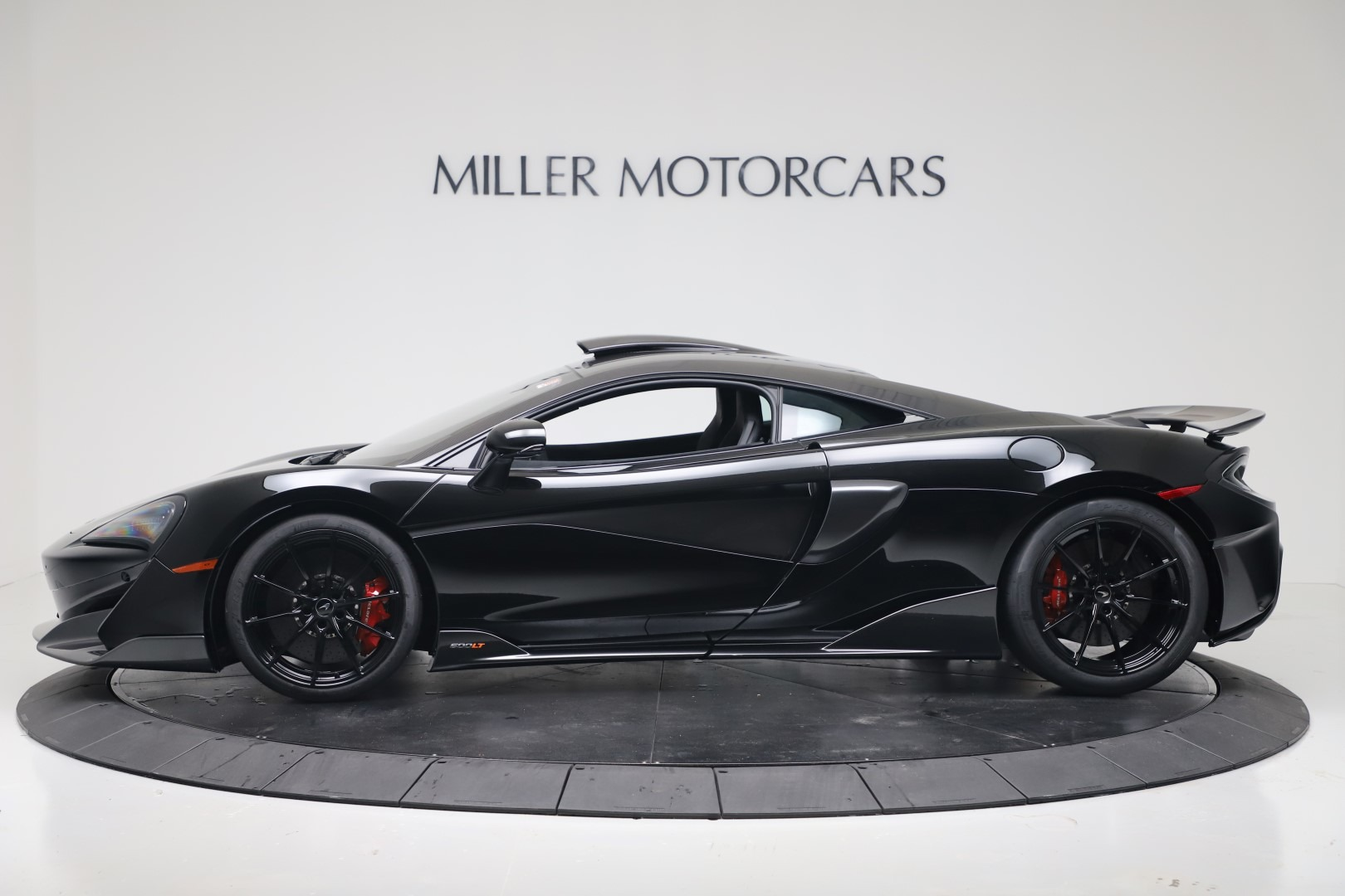 New 2019 McLaren 600LT Coupe For Sale In Greenwich, CT. Alfa Romeo of Greenwich, MC461 3453_p2