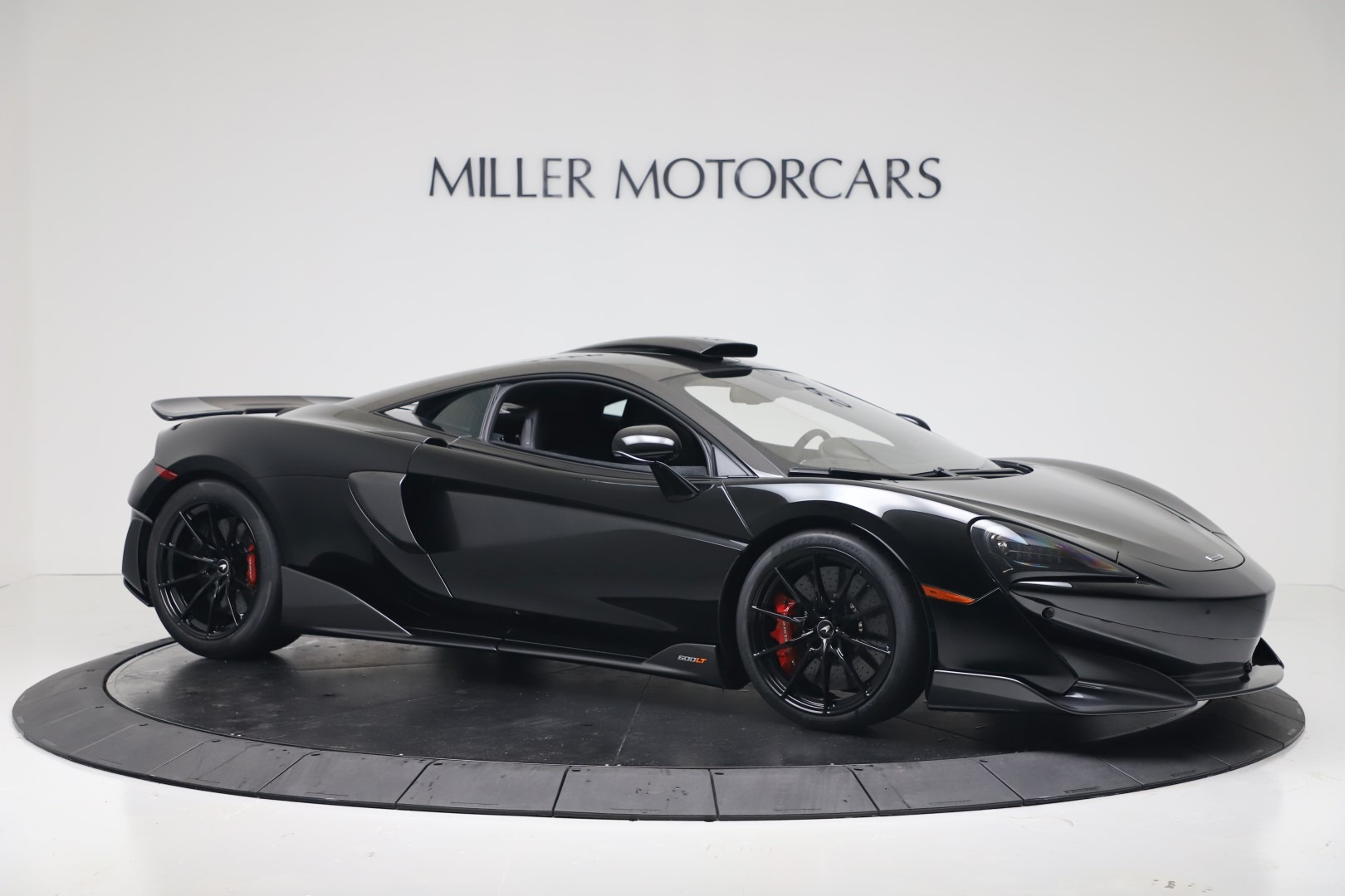 New 2019 McLaren 600LT Coupe For Sale In Greenwich, CT. Alfa Romeo of Greenwich, MC461 3453_p9