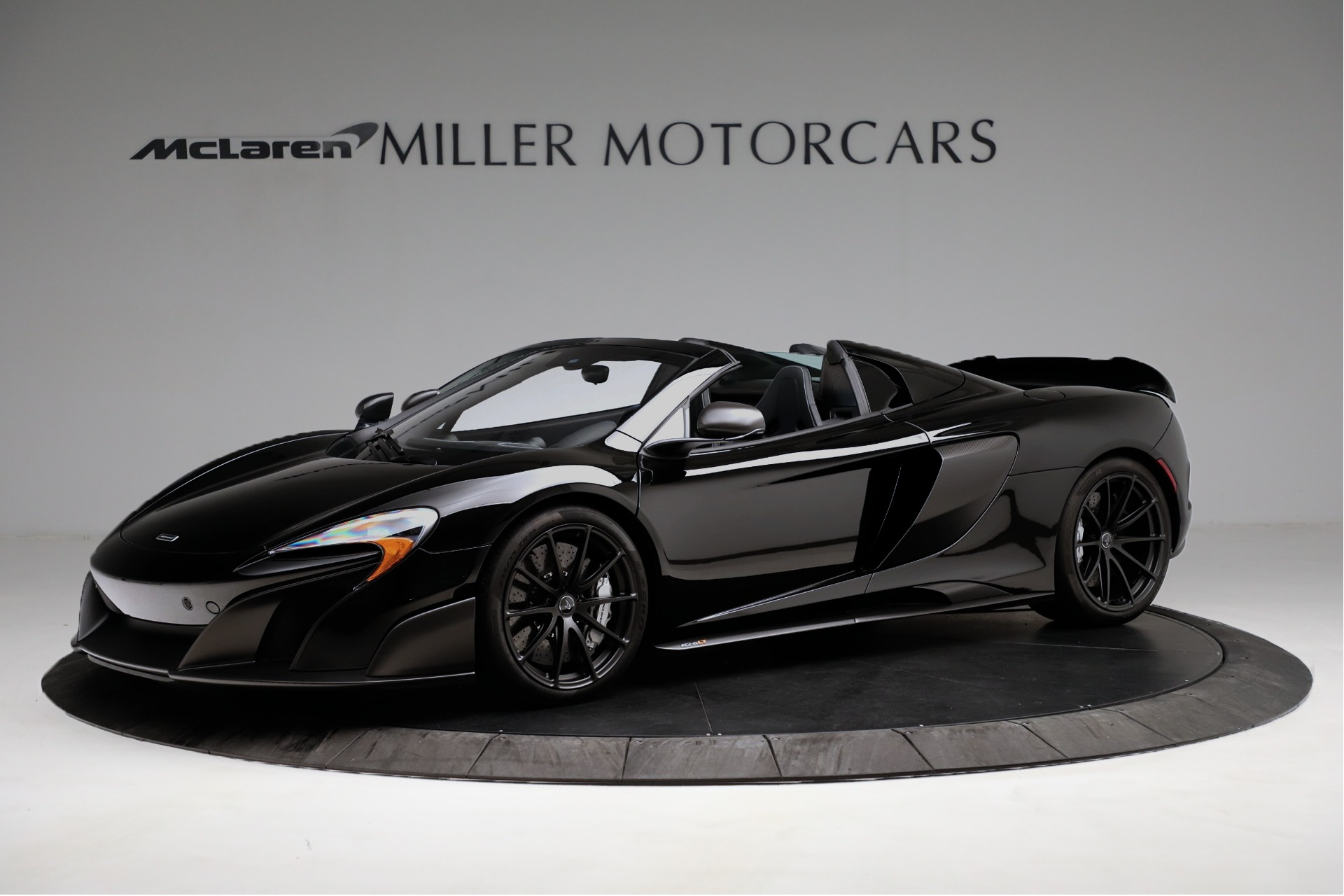 Used 2016 McLaren 675LT Convertible For Sale In Greenwich, CT. Alfa Romeo of Greenwich, 3175