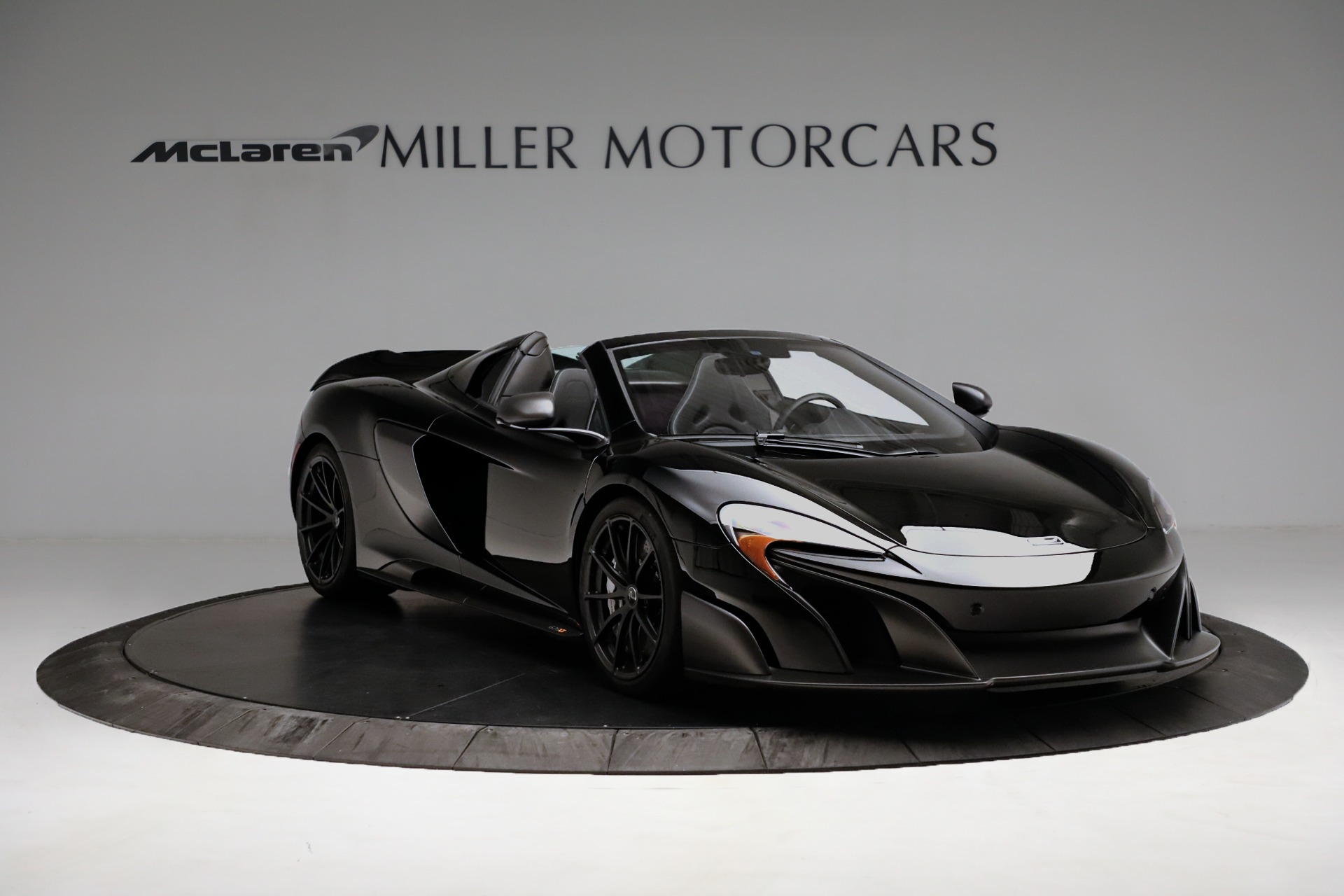 Used 2016 McLaren 675LT Convertible For Sale In Greenwich, CT. Alfa Romeo of Greenwich, 3175 3455_p11