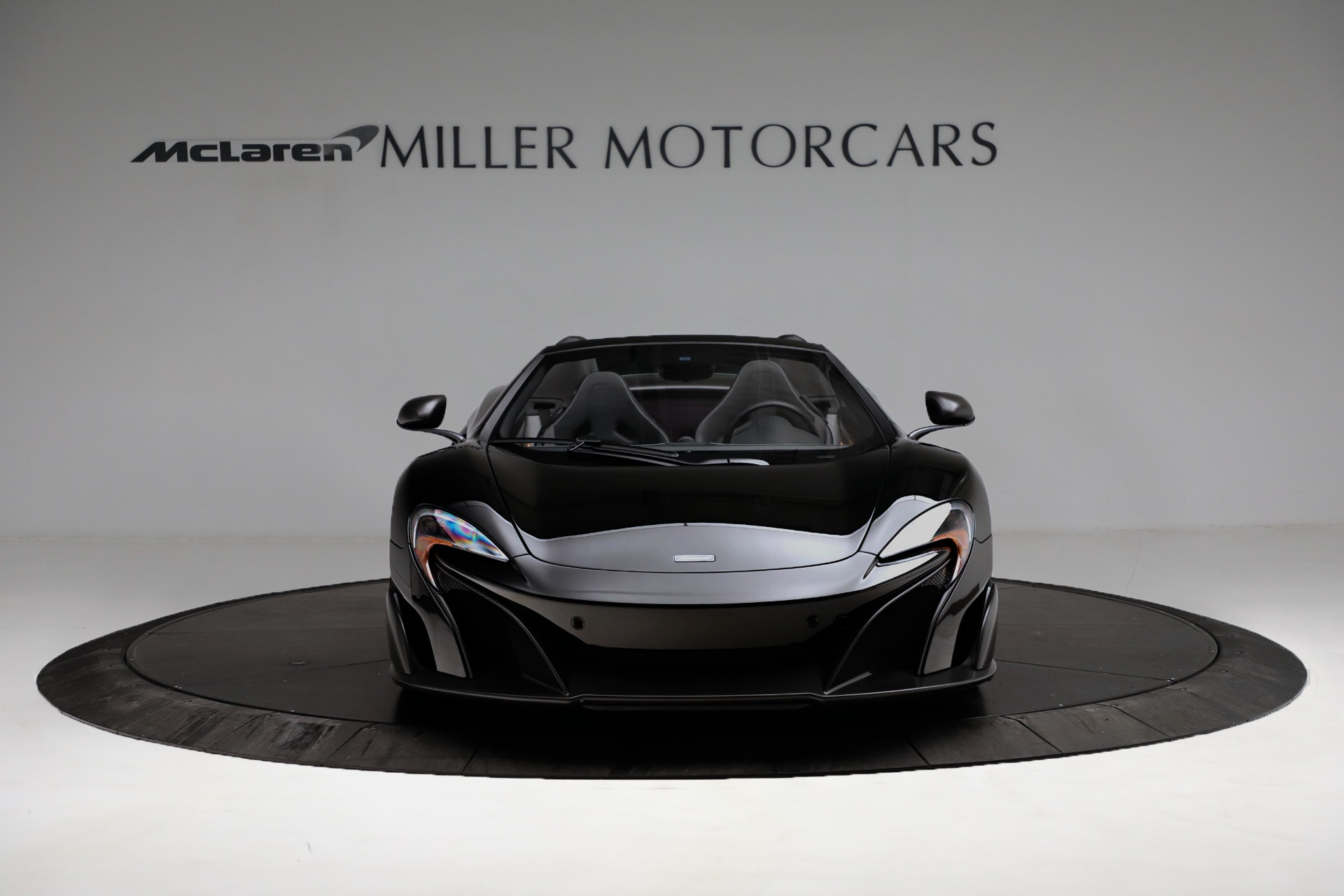Used 2016 McLaren 675LT Convertible For Sale In Greenwich, CT. Alfa Romeo of Greenwich, 3175 3455_p12