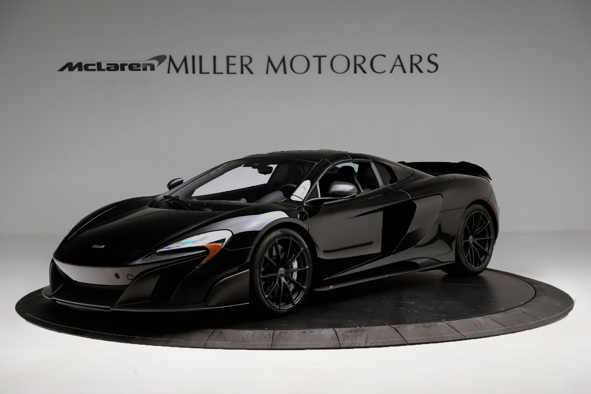 Used 2016 McLaren 675LT Convertible For Sale In Greenwich, CT. Alfa Romeo of Greenwich, 3175 3455_p13