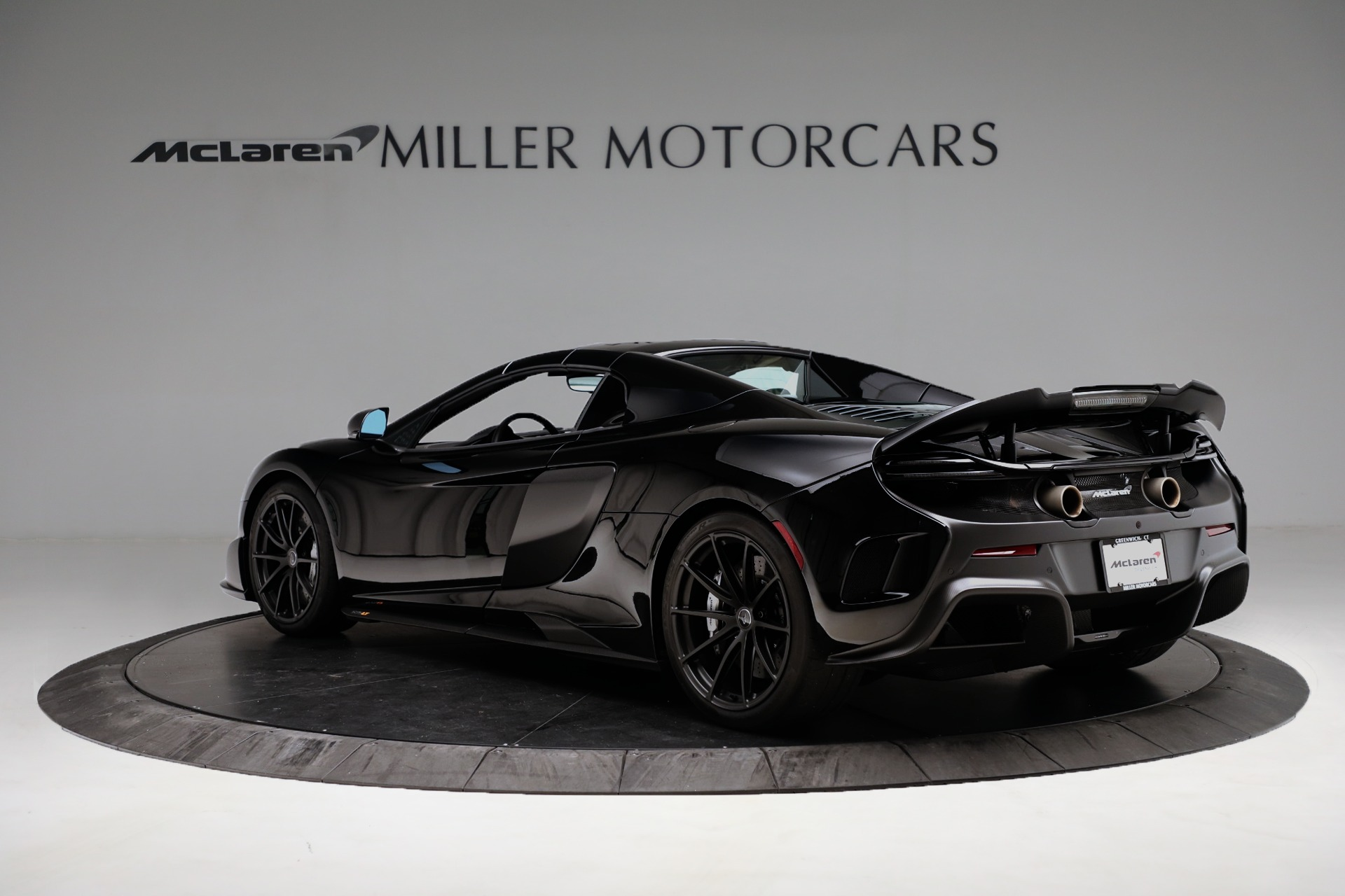 Used 2016 McLaren 675LT Convertible For Sale In Greenwich, CT. Alfa Romeo of Greenwich, 3175 3455_p15
