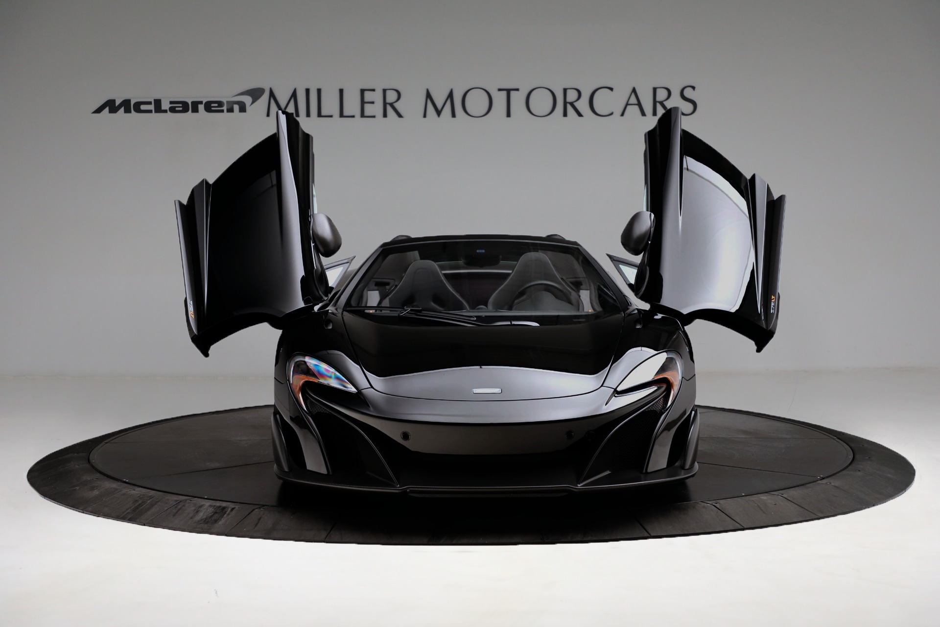 Used 2016 McLaren 675LT Convertible For Sale In Greenwich, CT. Alfa Romeo of Greenwich, 3175 3455_p19