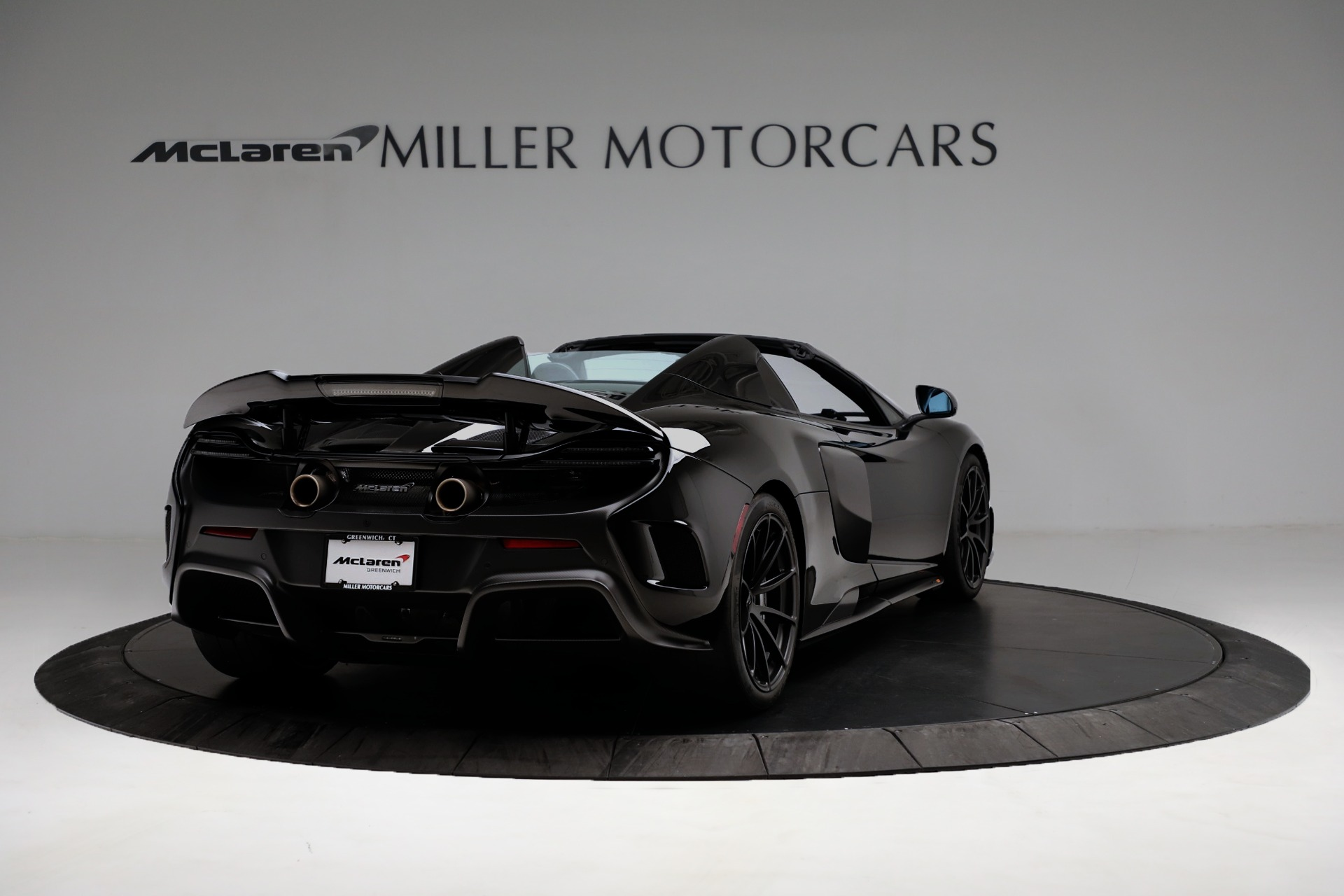 Used 2016 McLaren 675LT Convertible For Sale In Greenwich, CT. Alfa Romeo of Greenwich, 3175 3455_p7
