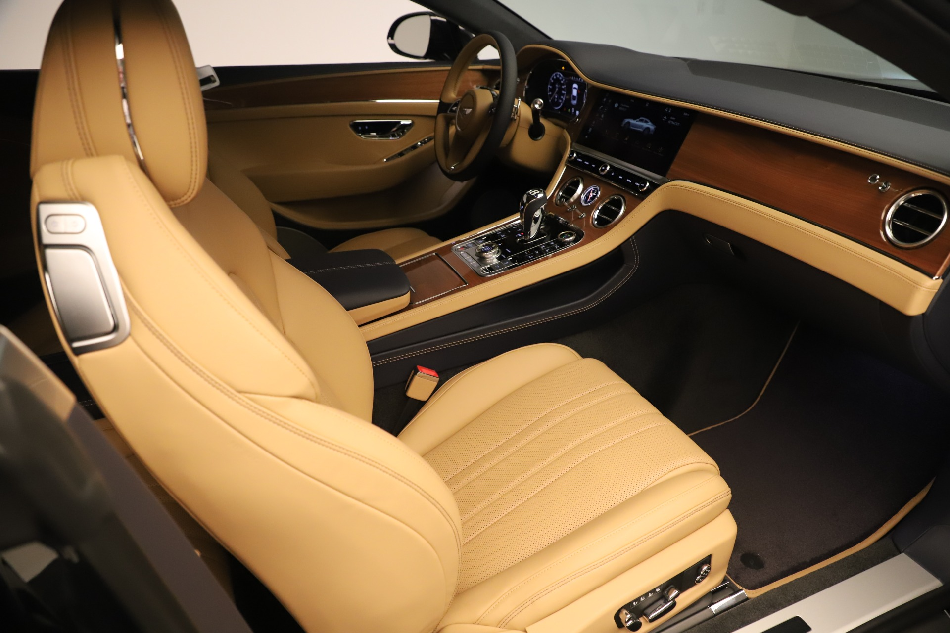 New 2020 Bentley Continental GT V8 For Sale In Greenwich, CT. Alfa Romeo of Greenwich, B1415 3456_p23