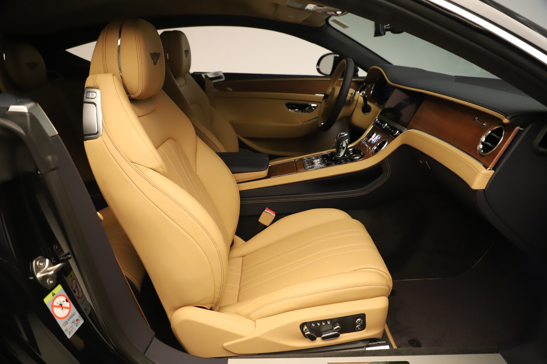 New 2020 Bentley Continental GT V8 For Sale In Greenwich, CT. Alfa Romeo of Greenwich, B1415 3456_p24