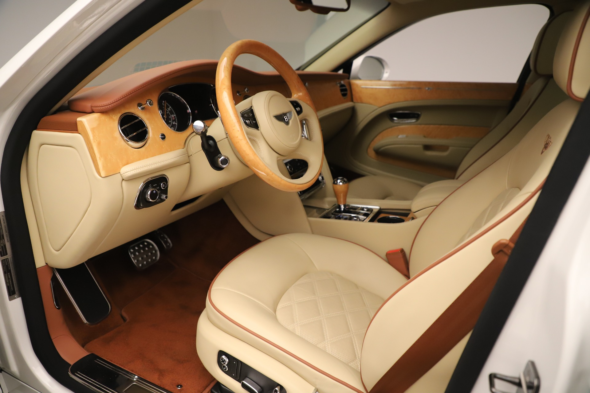 Used 2016 Bentley Mulsanne  For Sale In Greenwich, CT. Alfa Romeo of Greenwich, 7643 3461_p18