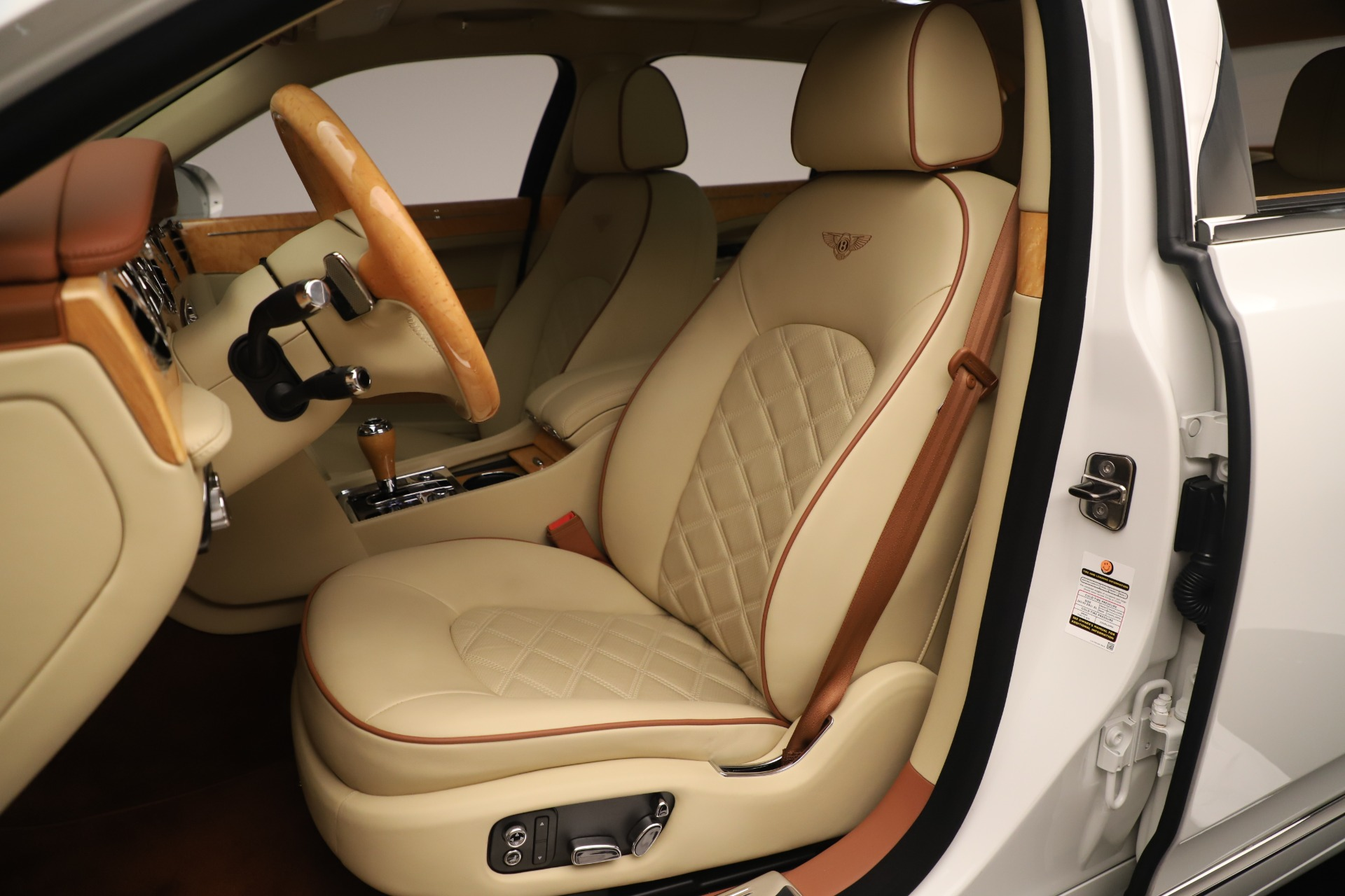 Used 2016 Bentley Mulsanne  For Sale In Greenwich, CT. Alfa Romeo of Greenwich, 7643 3461_p20
