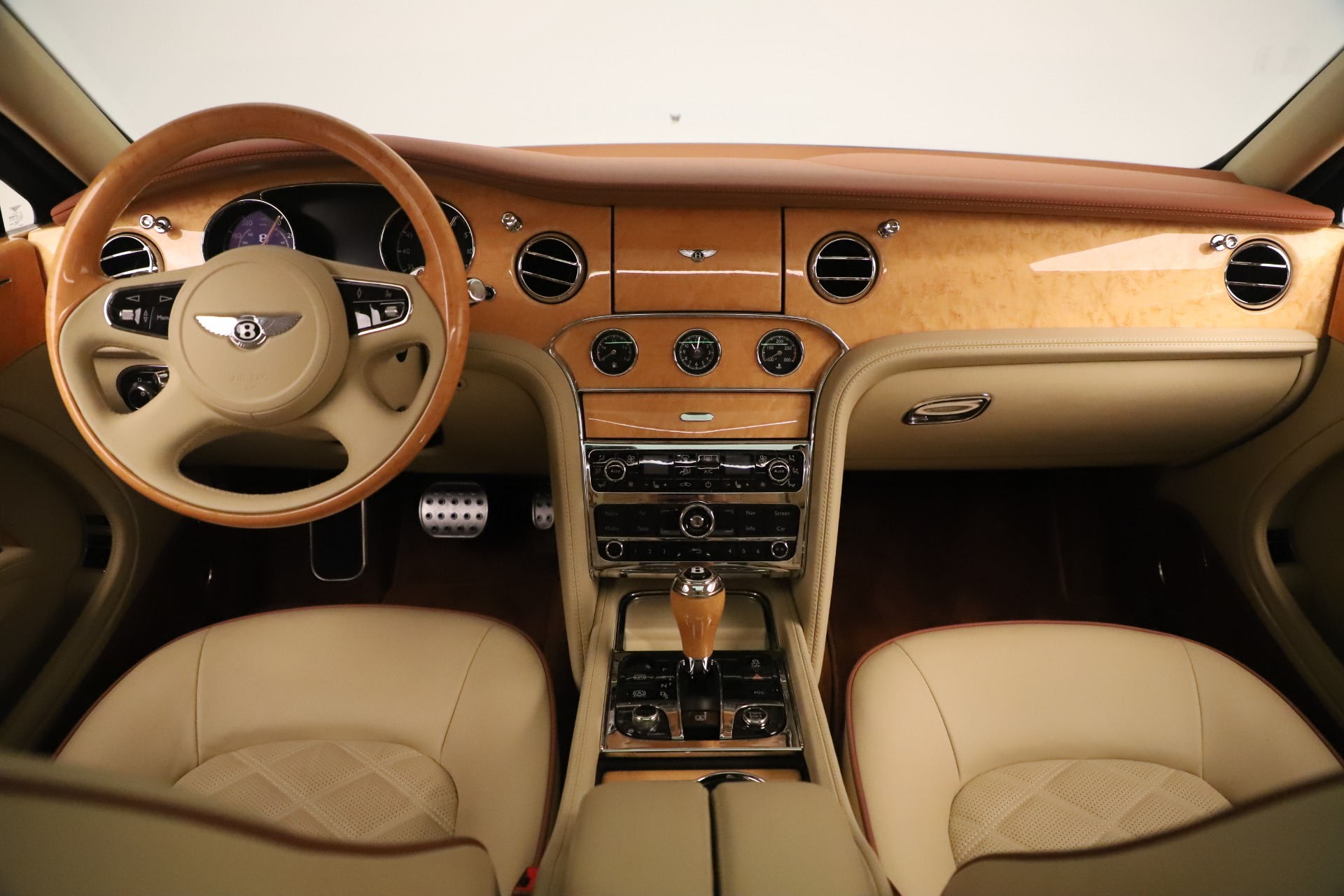 Used 2016 Bentley Mulsanne  For Sale In Greenwich, CT. Alfa Romeo of Greenwich, 7643 3461_p24