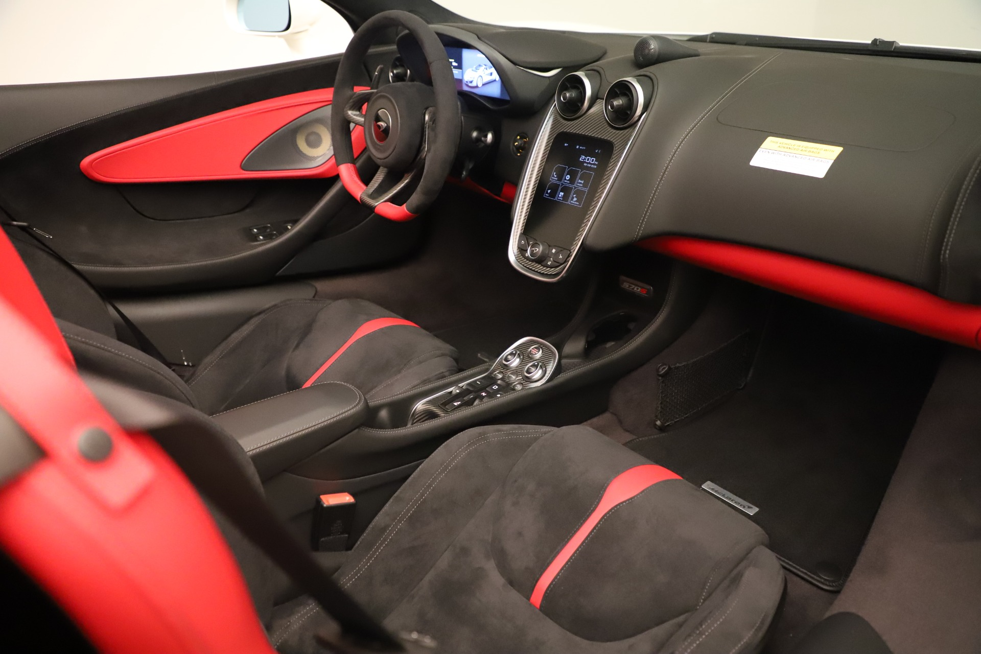 New 2020 McLaren 570S Convertible For Sale In Greenwich, CT. Alfa Romeo of Greenwich, MC468 3464_p25
