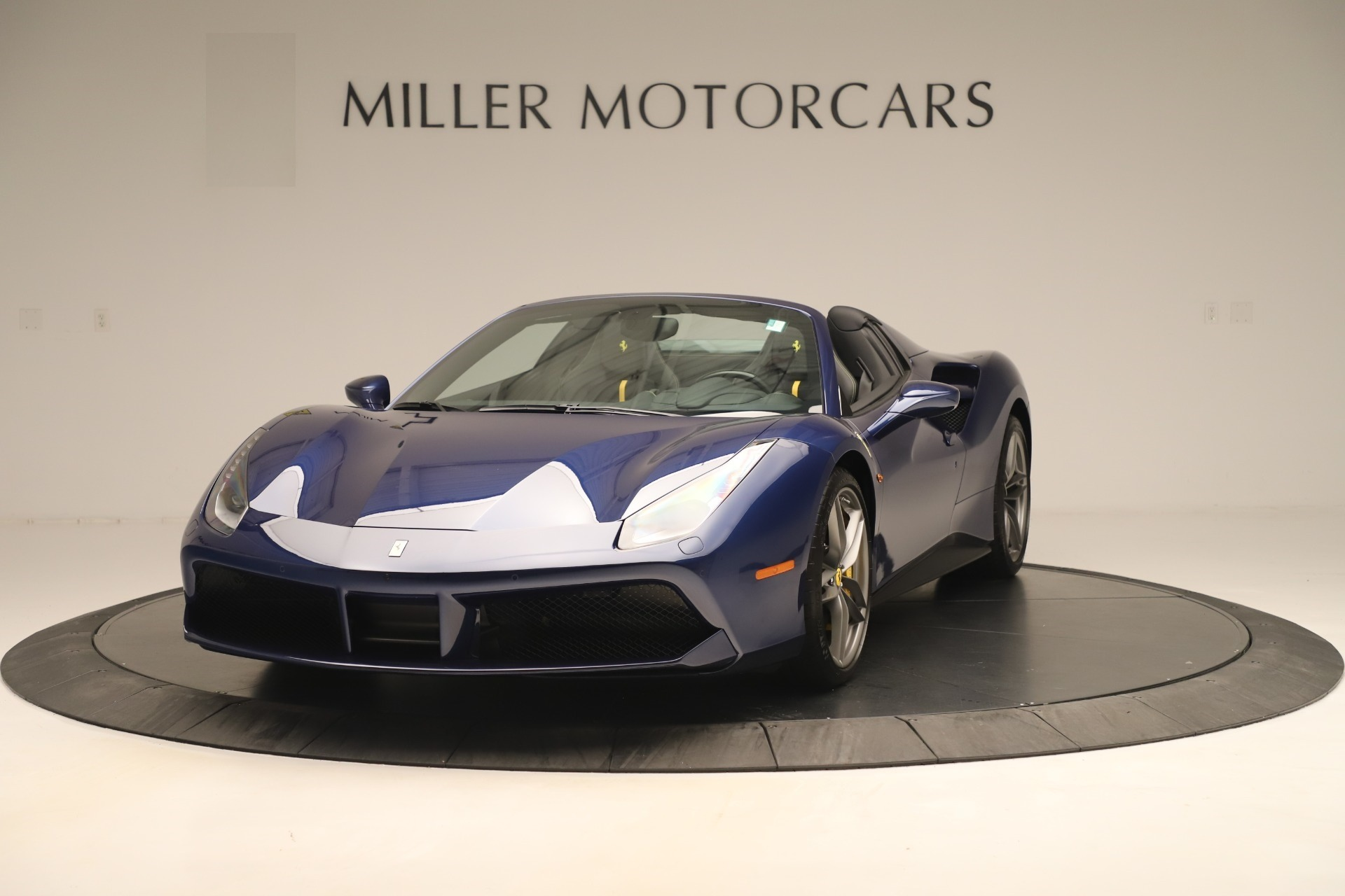 Used 2018 Ferrari 488 Spider  For Sale In Greenwich, CT. Alfa Romeo of Greenwich, F2017A