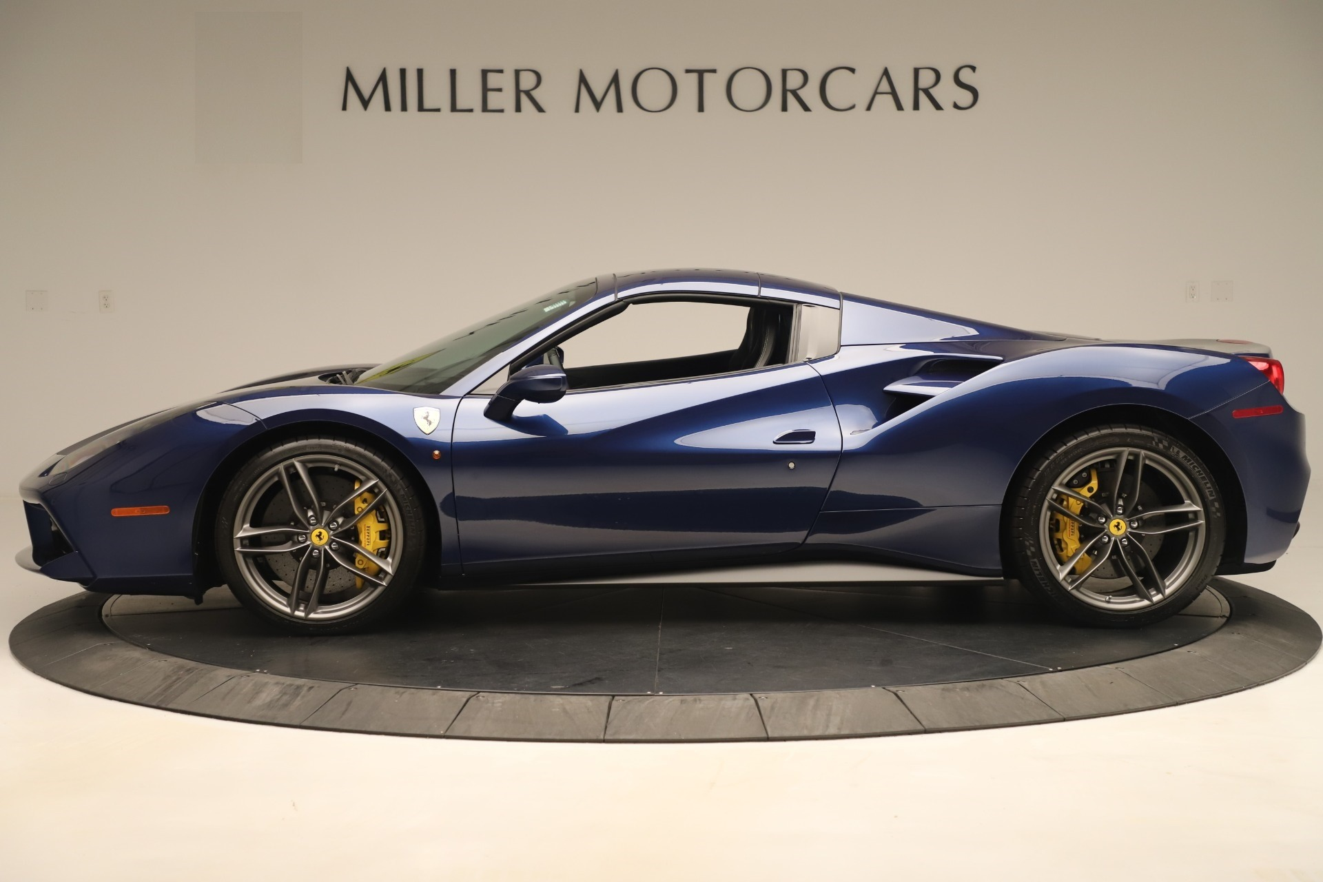 Used 2018 Ferrari 488 Spider  For Sale In Greenwich, CT. Alfa Romeo of Greenwich, F2017A 3465_p14