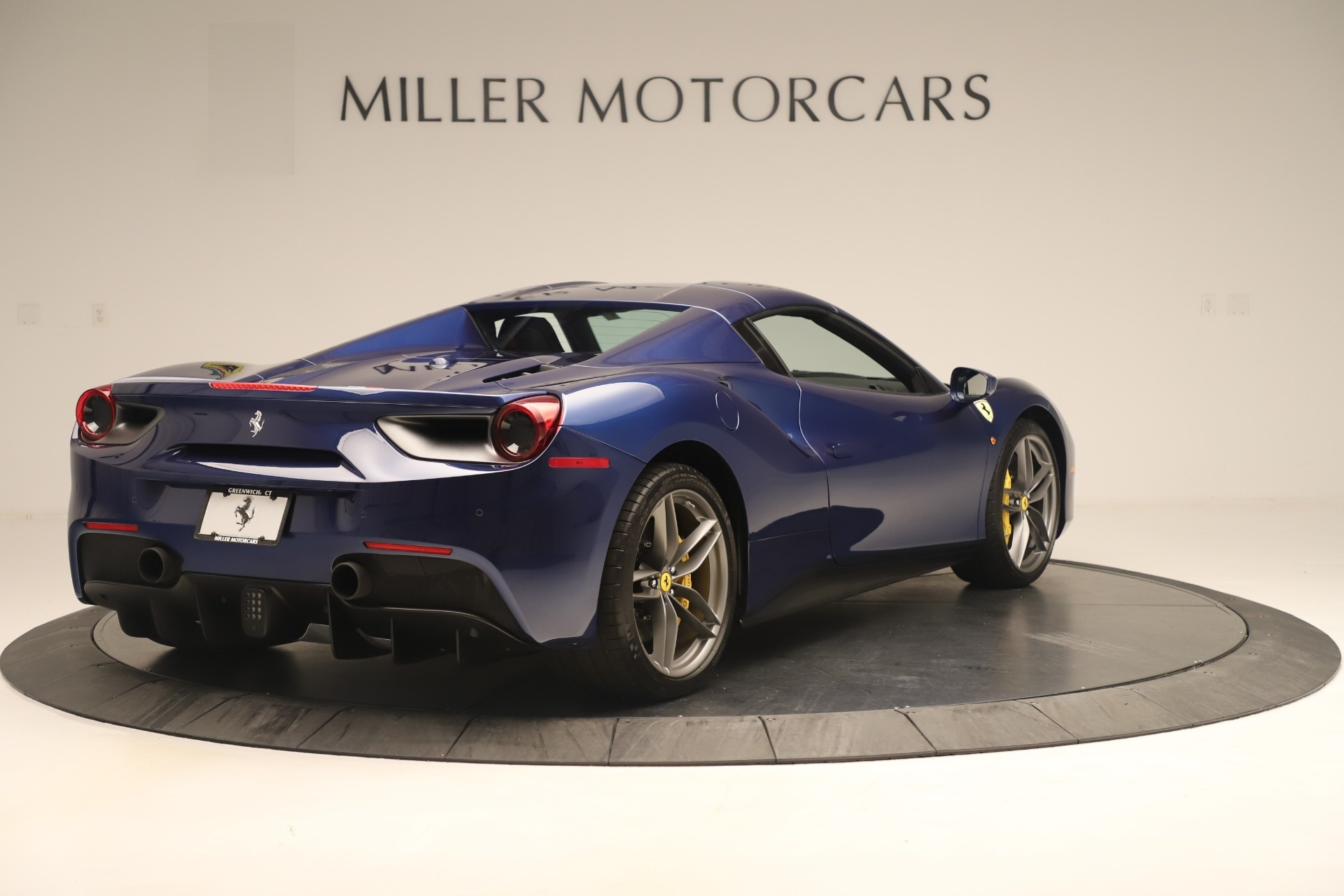 Used 2018 Ferrari 488 Spider  For Sale In Greenwich, CT. Alfa Romeo of Greenwich, F2017A 3465_p16