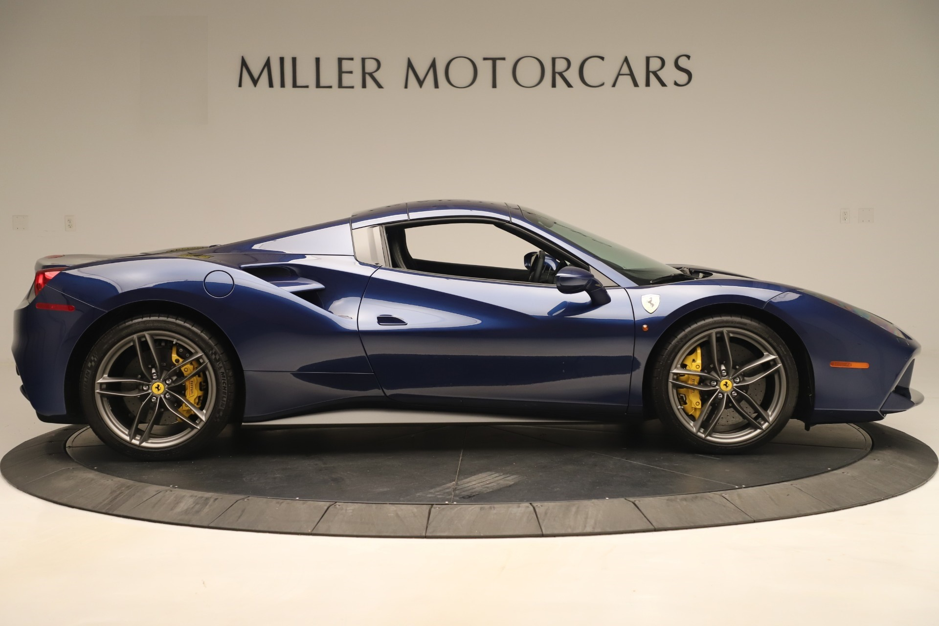Used 2018 Ferrari 488 Spider  For Sale In Greenwich, CT. Alfa Romeo of Greenwich, F2017A 3465_p17
